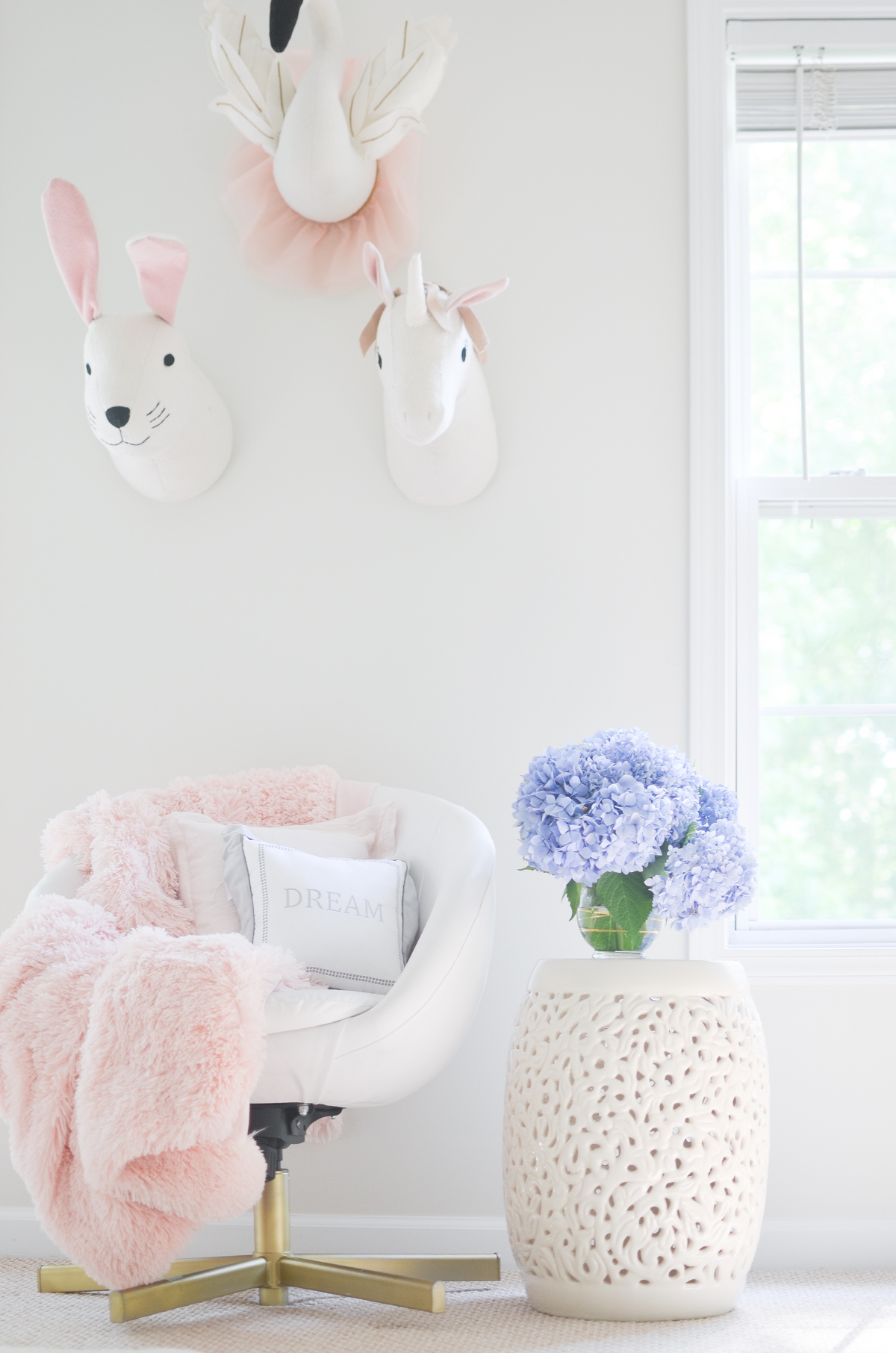 Pink and White Dream Girly Nursery Ideas Decorations Inspiration