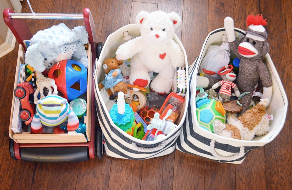 How+To+Organize+Your+Toys+Using+A+Toy+Rotation+System+_+Momma+Society-The+Community+of+Modern+Moms+_+www.MommaSociety (4)-min.jpg