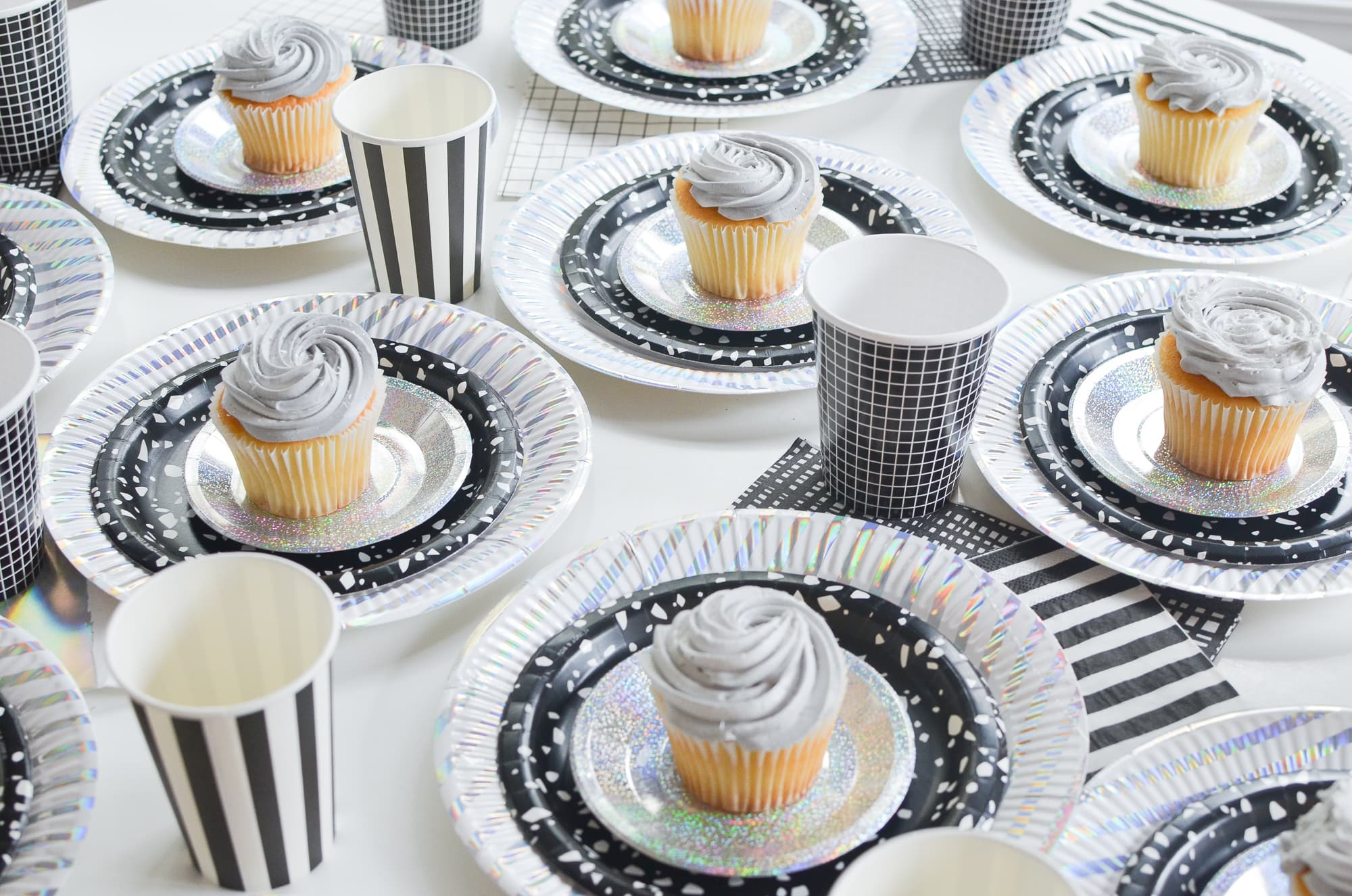 Party Plates + Placesettings | Momma Society