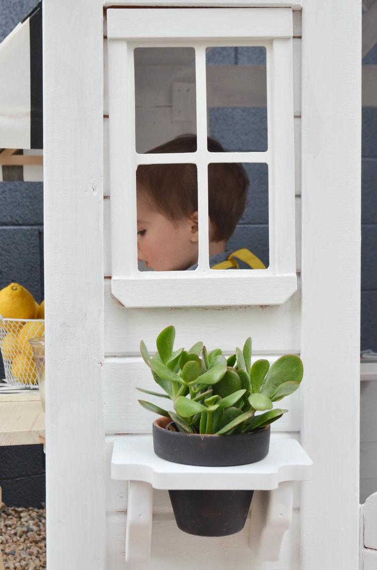 Outdoor+Playhouse+DIY+Renovation+_+Painted+Wooden+Playhouse (2)-min.jpg