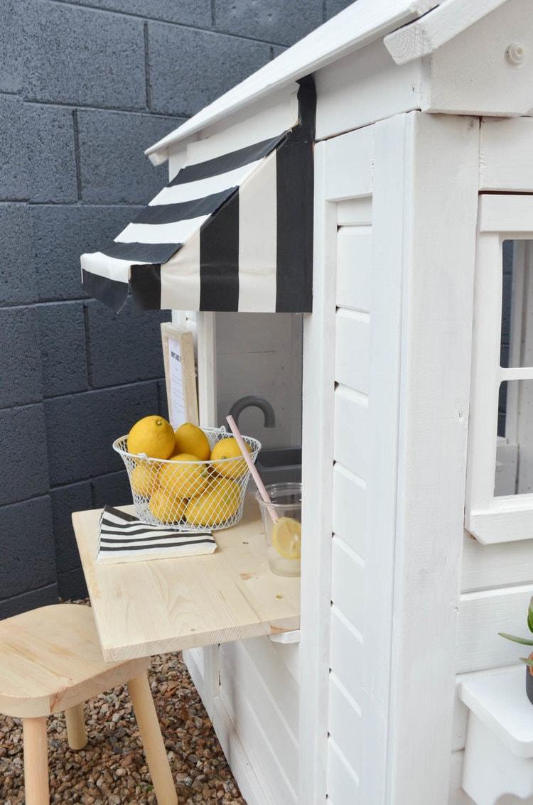 Outdoor+Playhouse+DIY+Renovation+_+Painted+Wooden+Playhouse (4)-min.jpg