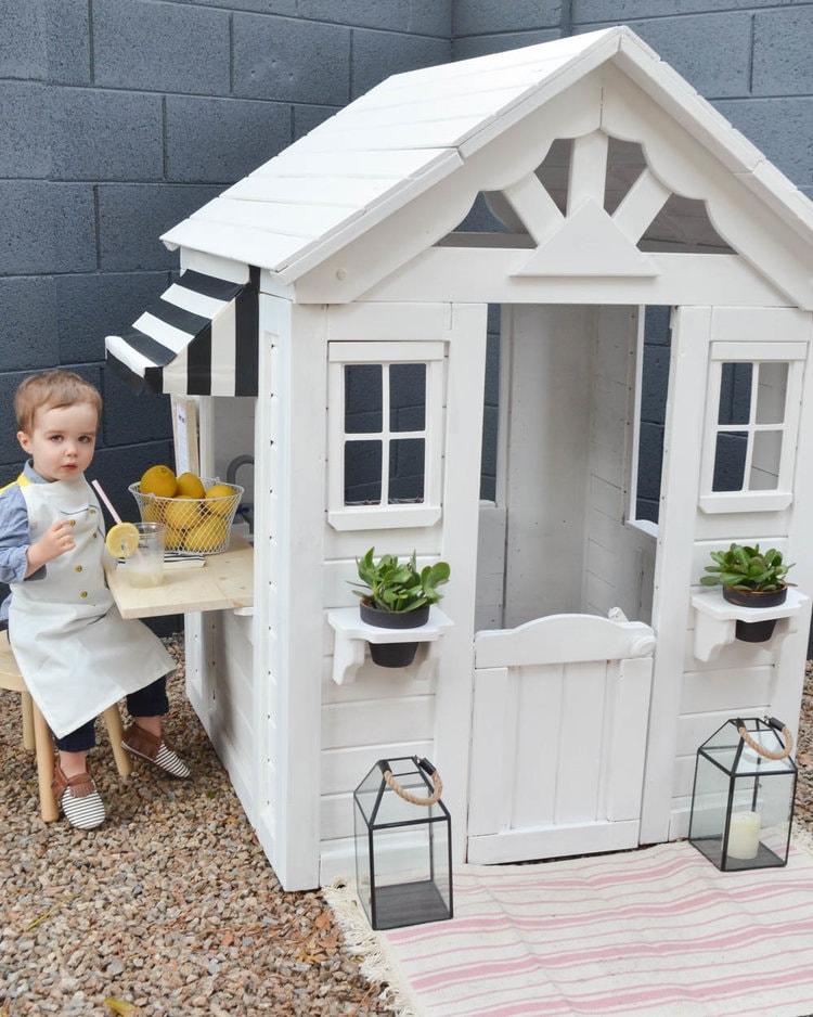 Outdoor+Playhouse+DIY+Renovation+_+Painted+Wooden+Playhouse (6)-min.jpg