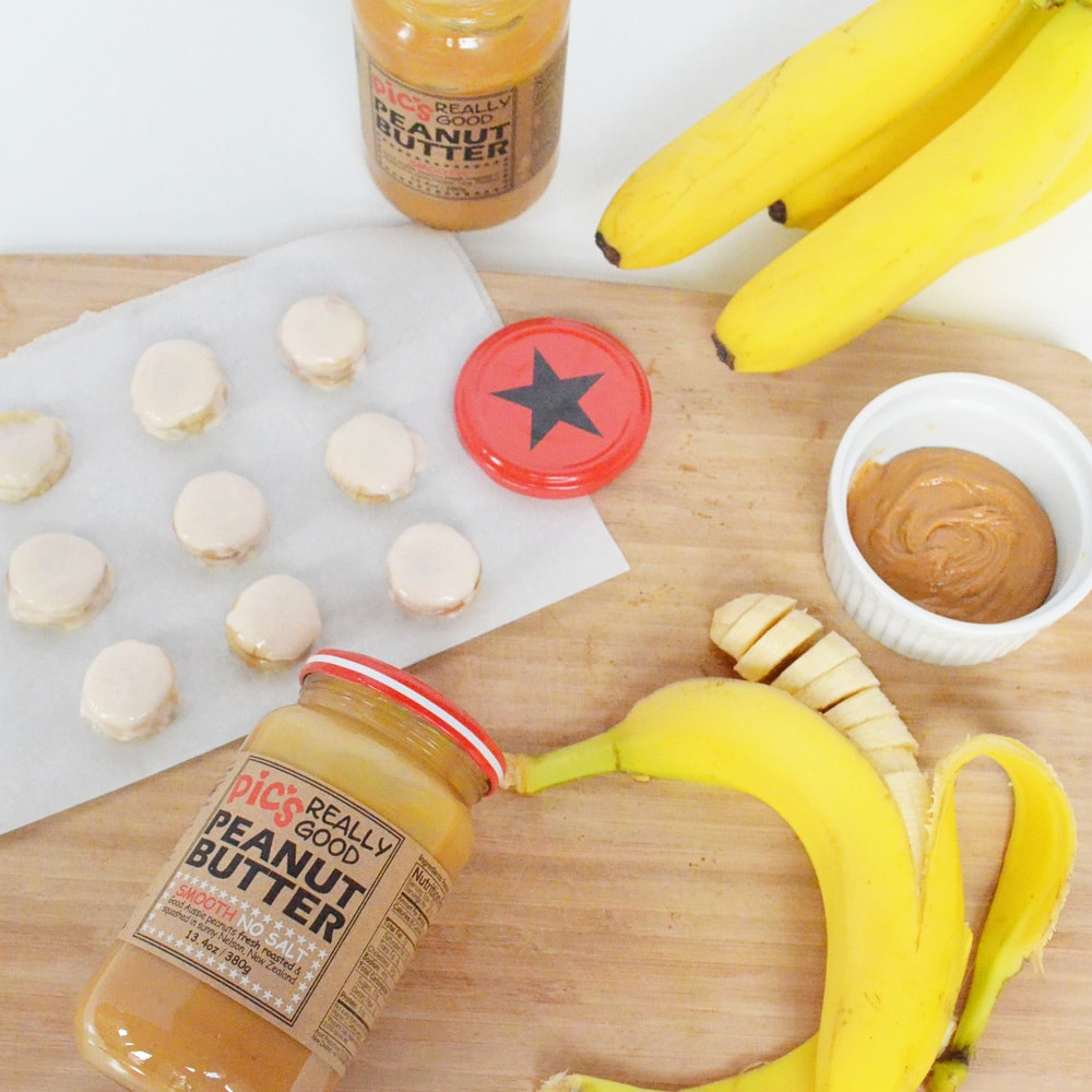 Frozen Peanut Butter Banana Bites | Momma Society-The Community of Modern Moms | www.MommaSociety.com