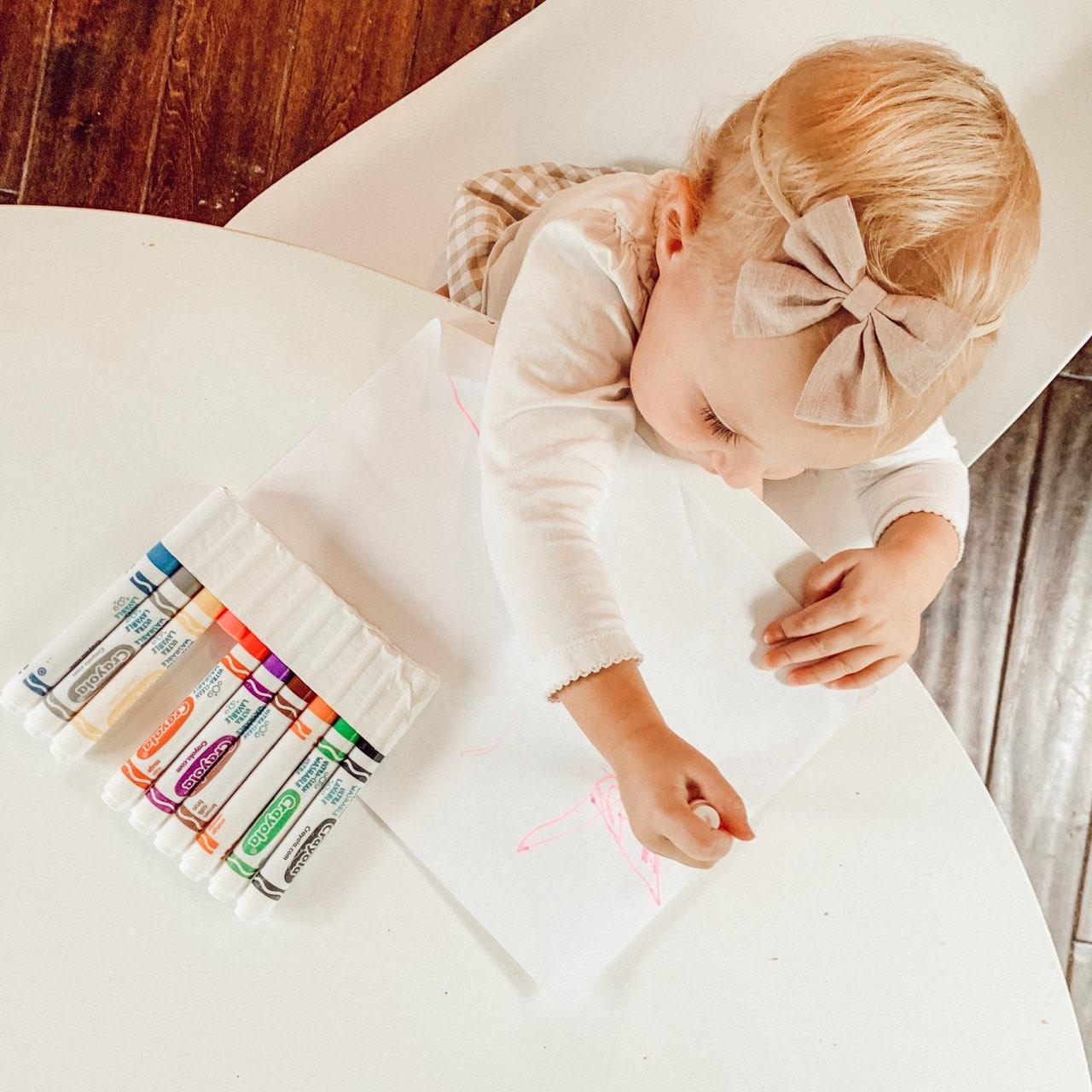 toddler girl coloring