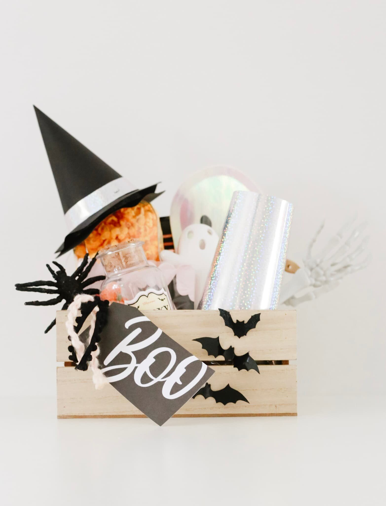 How to Boo Your Neighbors | Momma Society