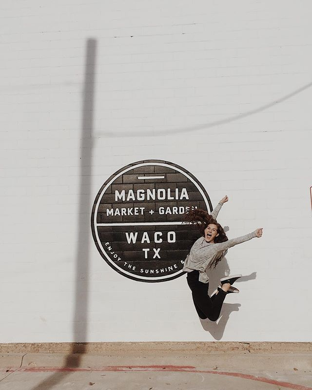 It might have been closed, but that didn't stop @thekatlee_ from driving by @magnolia to brighten my day! • When we met, Kat quite literally pulled up a chair to the table of her life. To know her is to love her and I'm so grateful for her friendship.