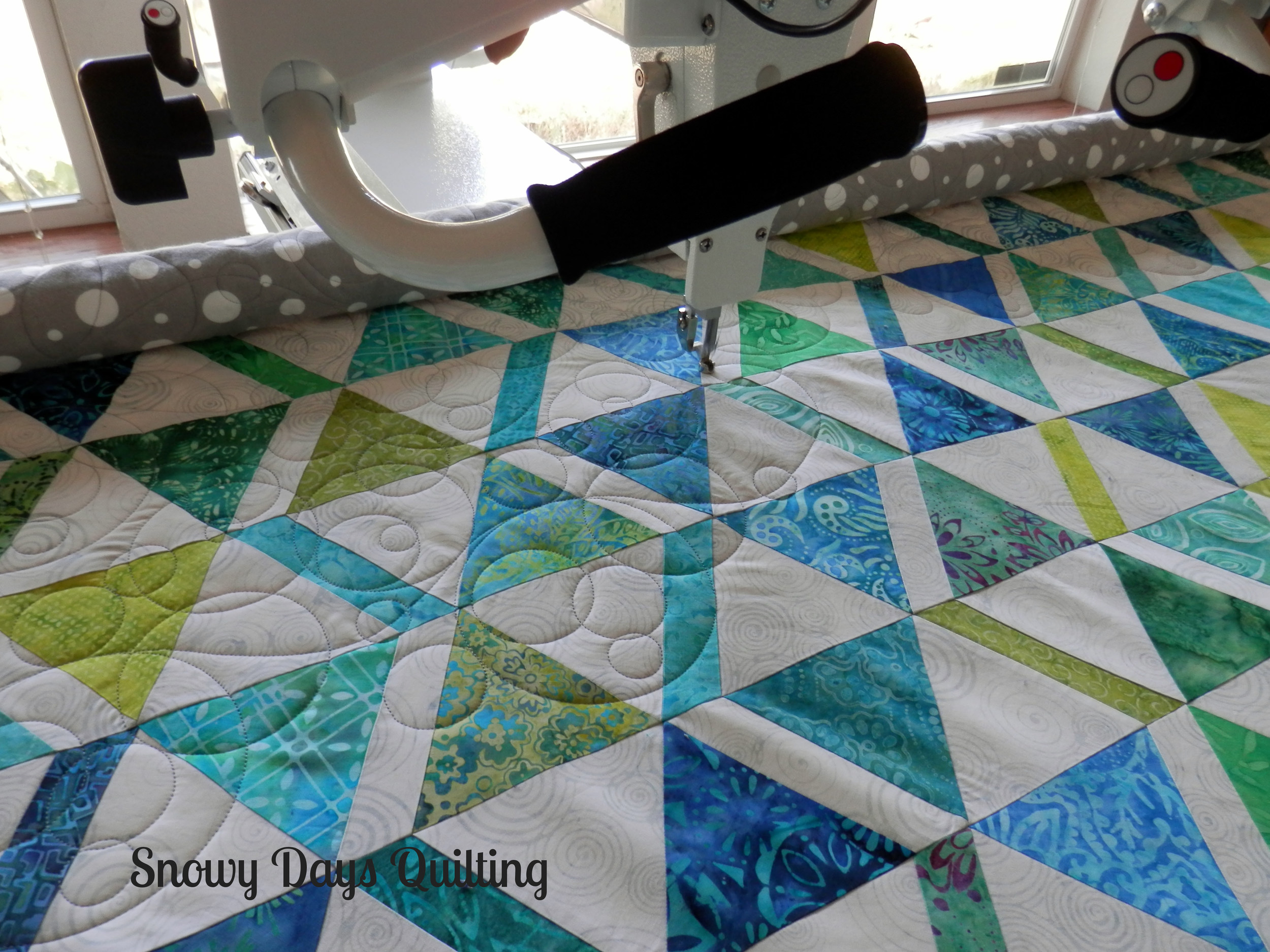 Longarm in Action! — Snowy Days Quilting