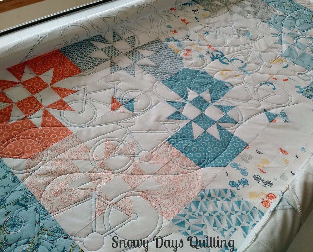 disappearing hourglass quilt bicycles and hills pantograph