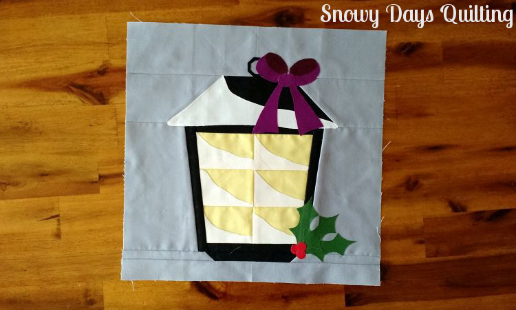 christmas lantern quilt block