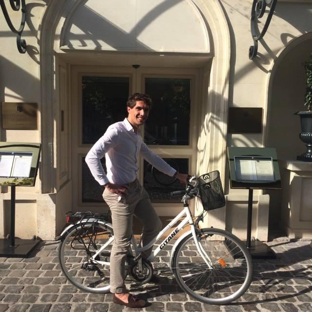 Bicyclettes à disposition, partons parcourir les beautés de  Chantilly
