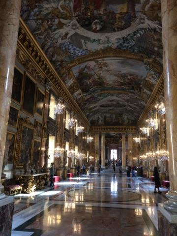 La célébre galerie du  Palazzo Colonna,  un must!