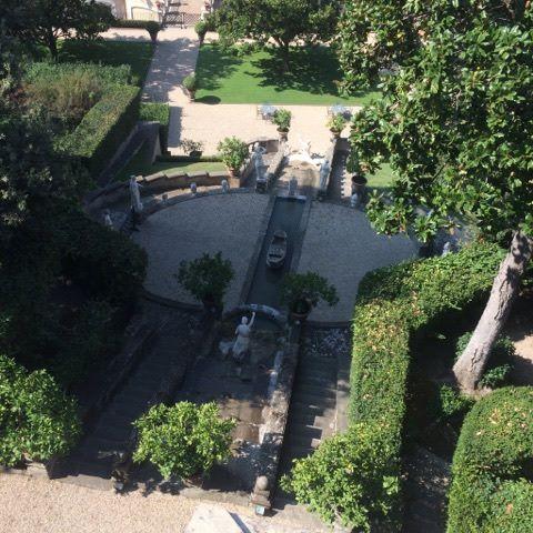 Cherry on the cake, les sublimes  jardins  des princes Colonna.