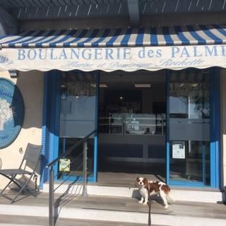 Passage obligé à  la Boulangerie des Palmiers  de La Croix Valmer.