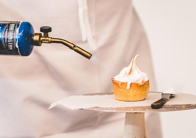 torching meringue