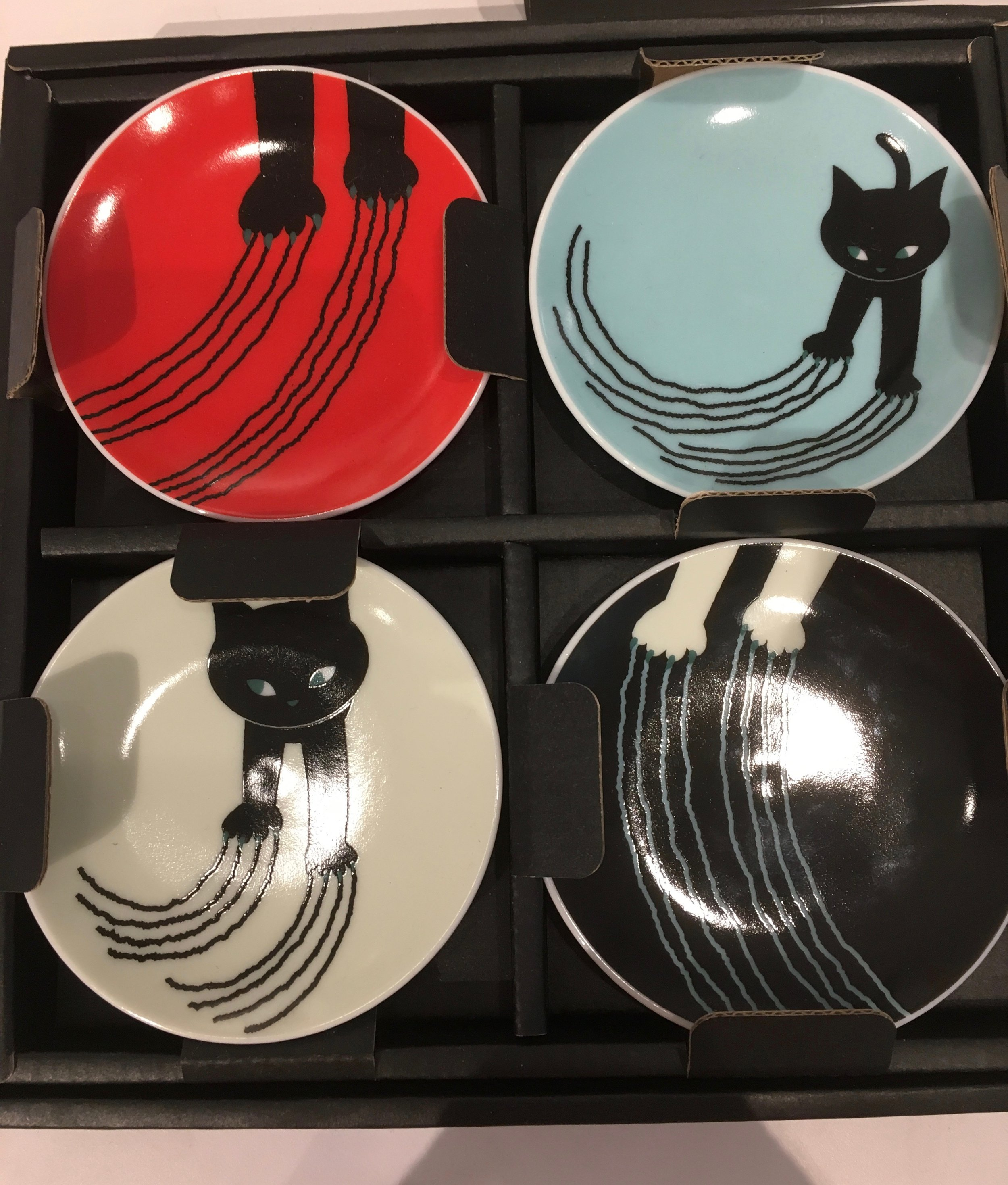 Sushi sauce dishes in the museum gift shop