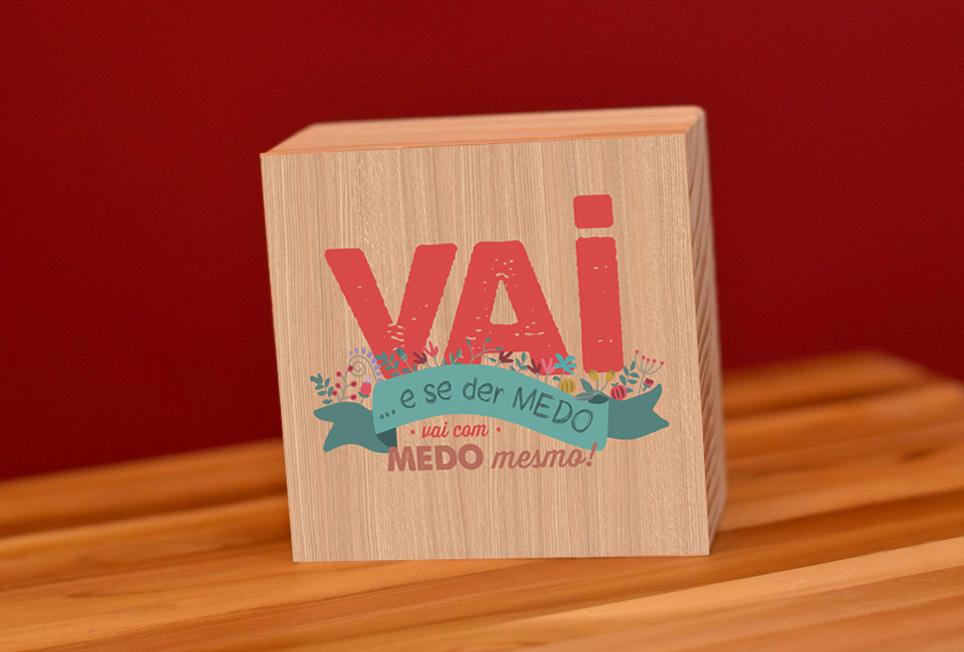 Papel craft • coleção autoajuda - Mais uma vez a Papel Craft faz uma coleção cápsula de sucesso de vendas: Autoajuda traz frases motivacionais em produtos que vão desde a papelaria já característica da marca até blocos de madeira, para serem usados na decoração de casa ou do escritório.