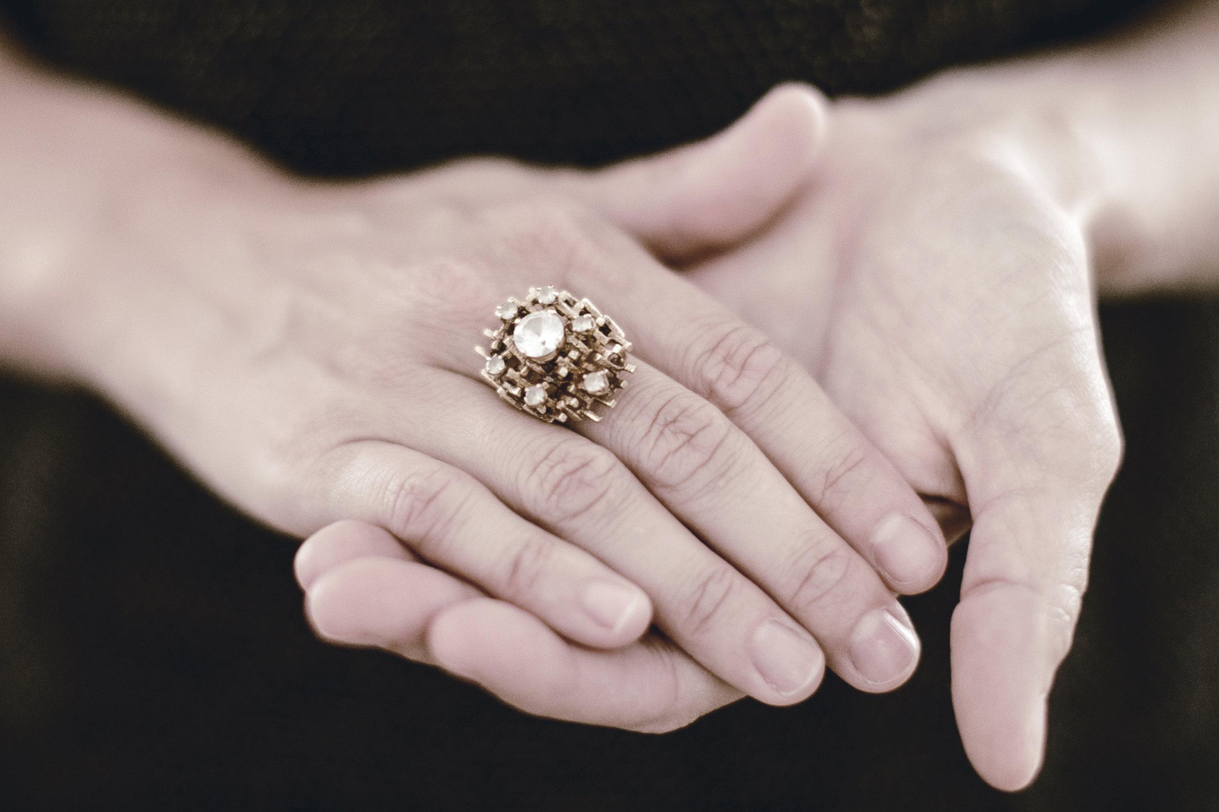 heirloomed story / vintage jewelry / heirloomed