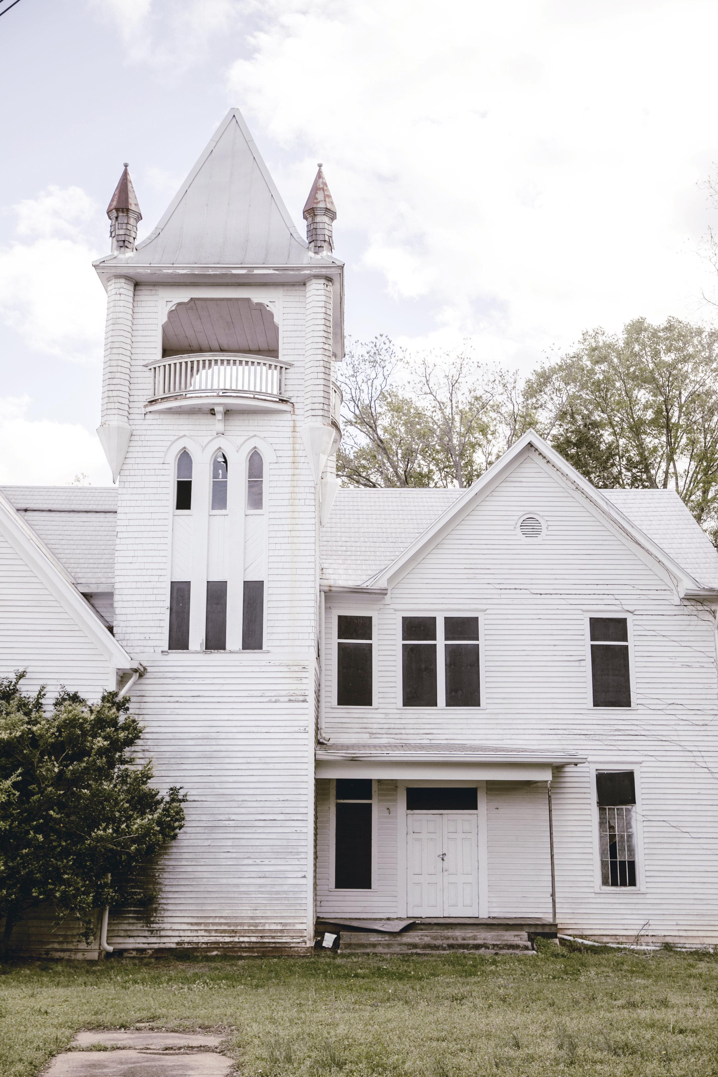 Historic Monticello United Methodist Church / heirloomed