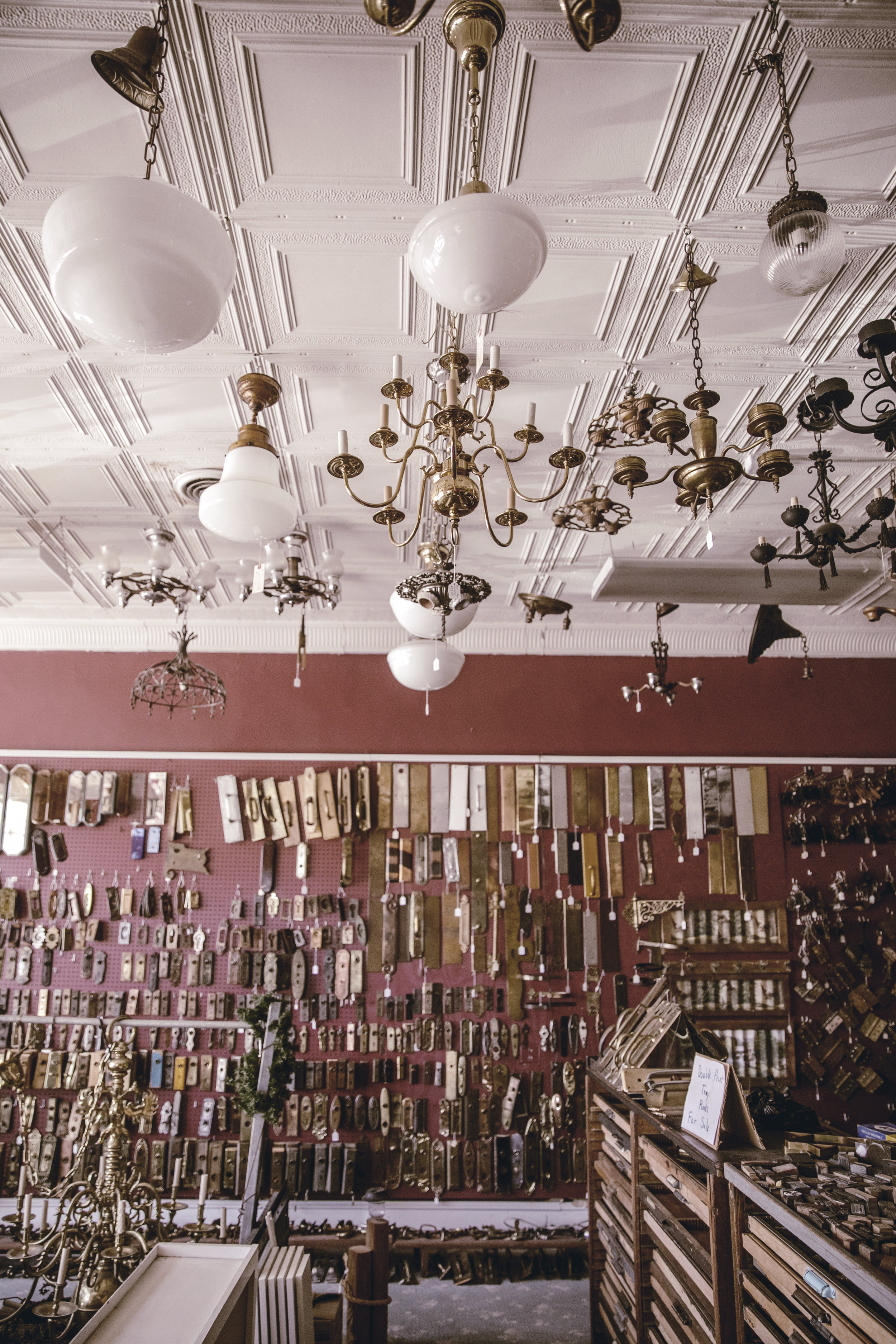 amazing antique hardware store collection / heirloomed