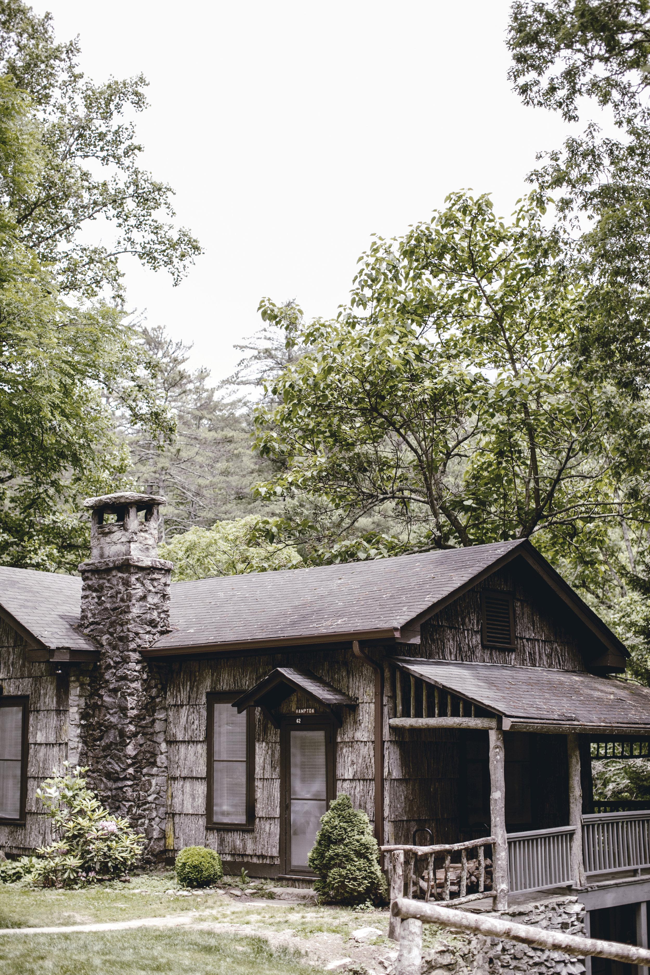 mountain cabin in cashiers North Carolina / heirloomed