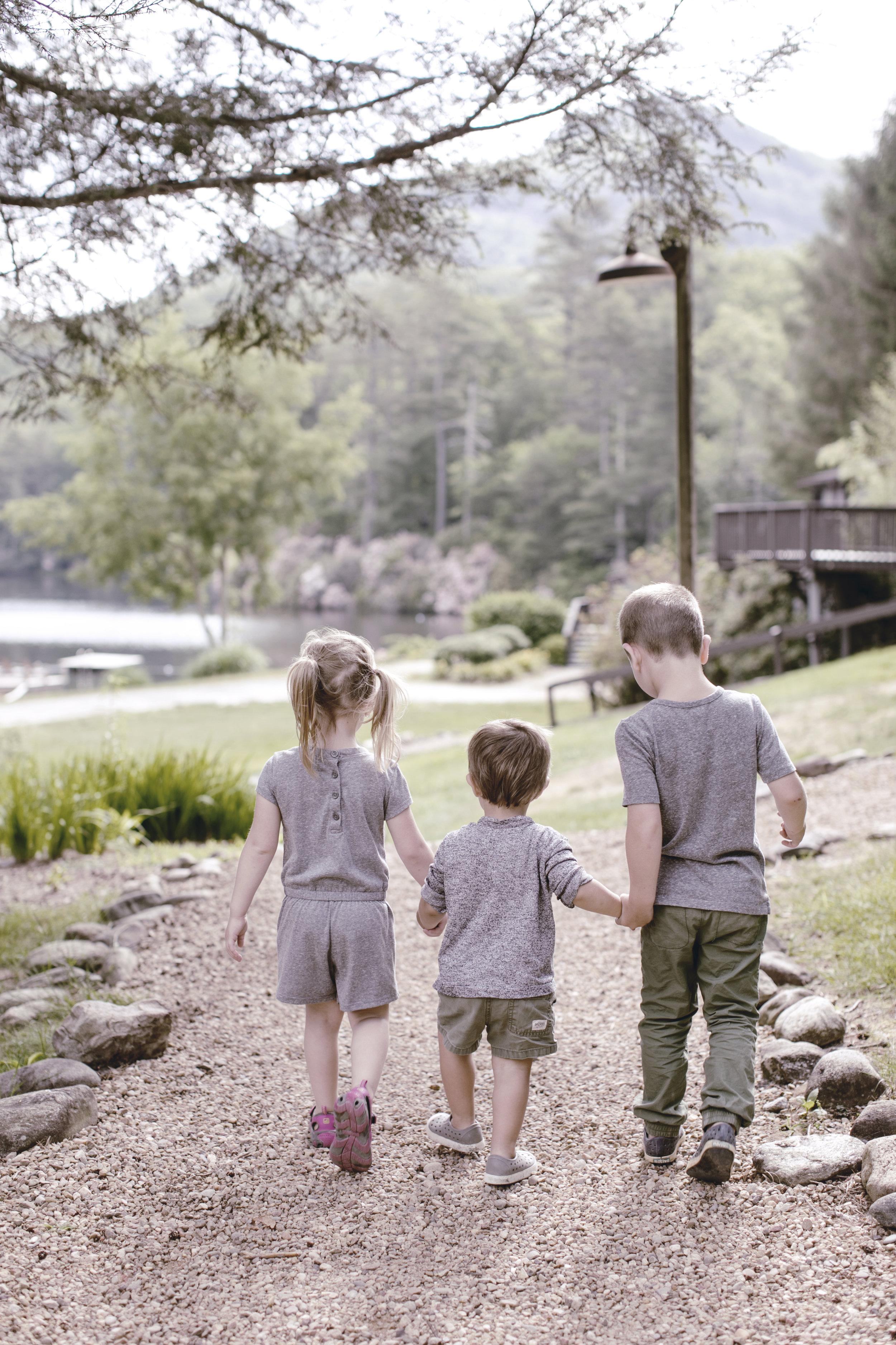 little hikers / heirloomed