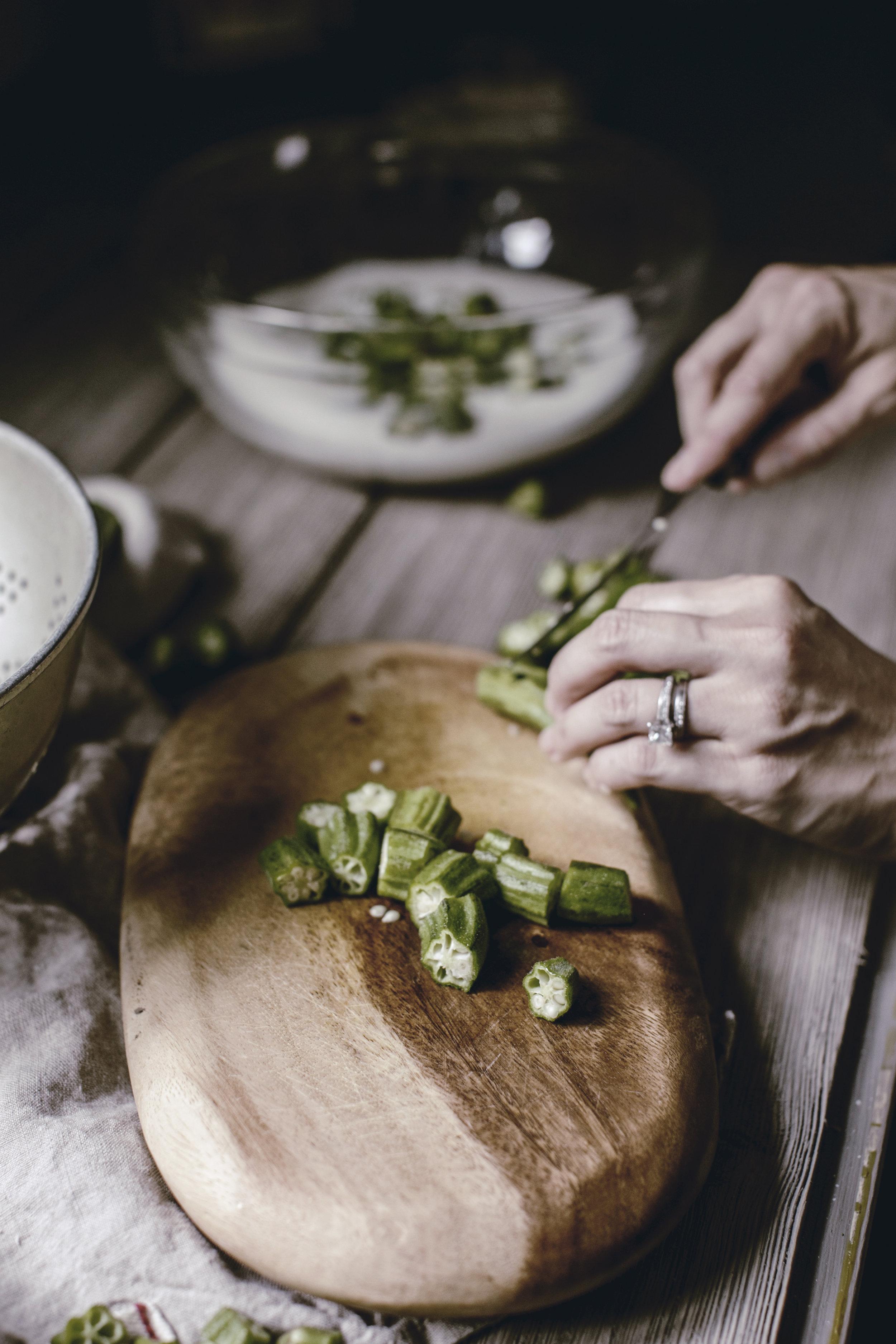 cutting okra / fried okra / heirloomed