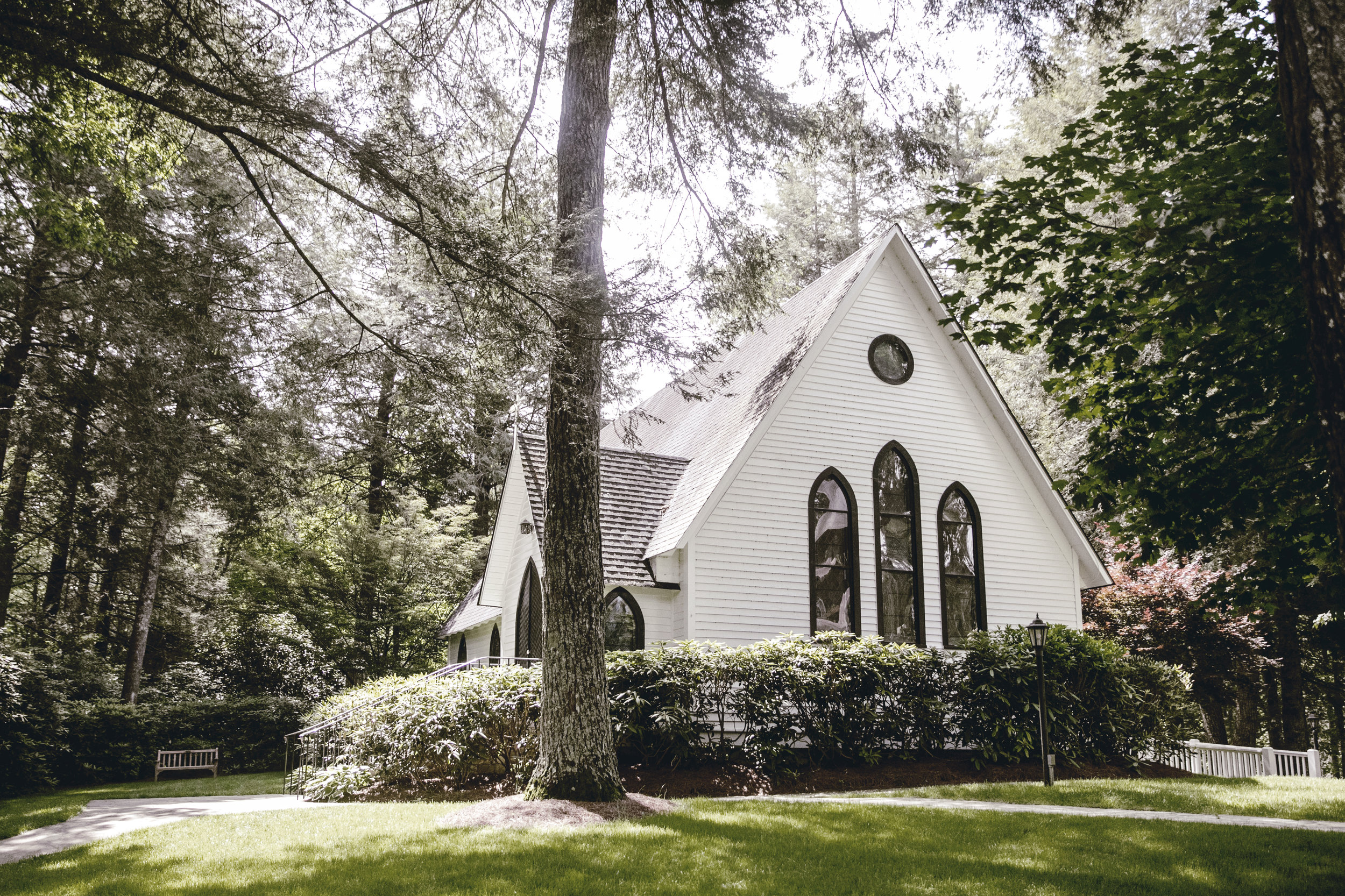 historic church in cashiers NC / heirloomed travel