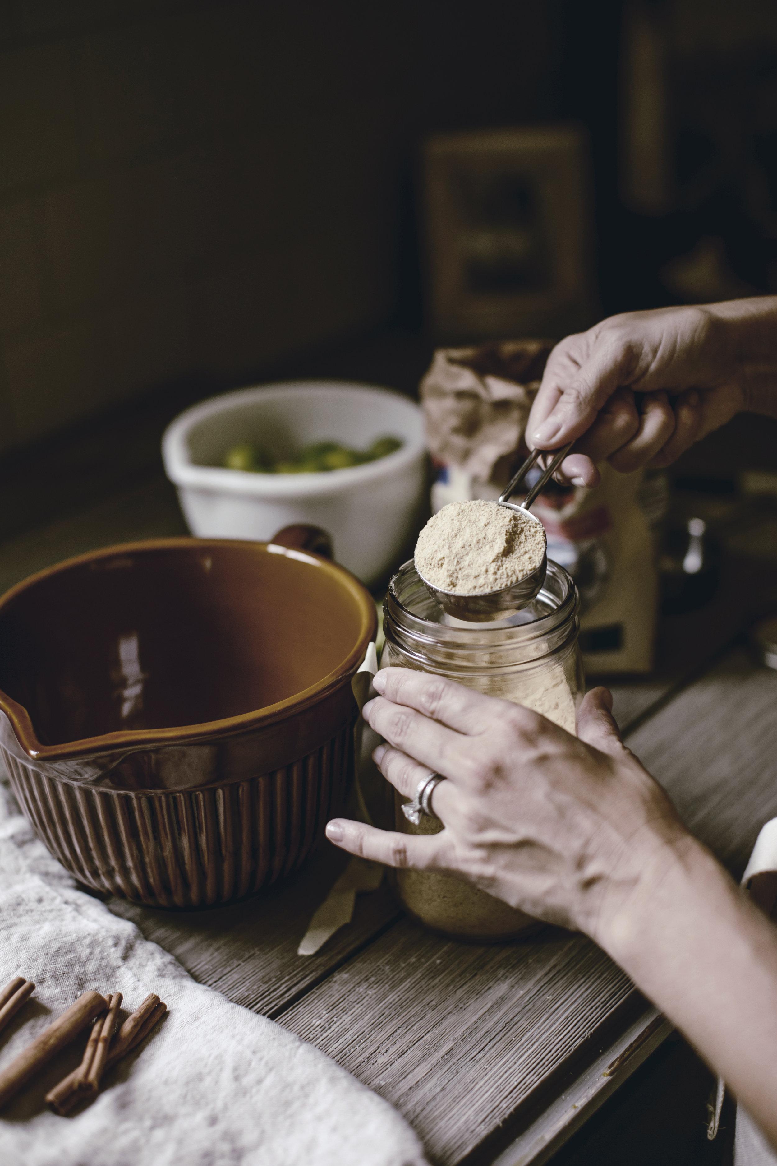 graham cracker crust for key lime pie / heirloomed