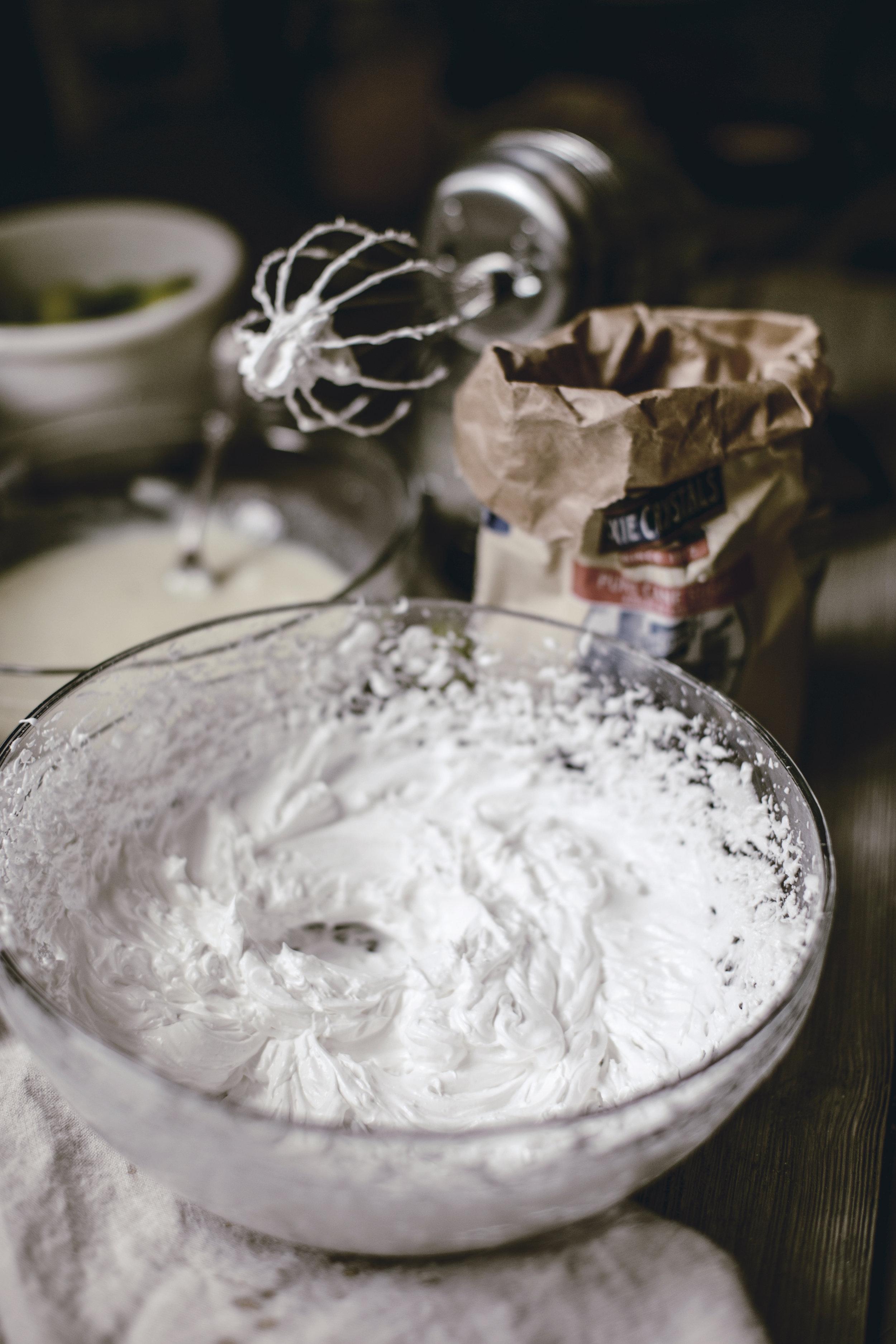 whipped meringue / heirloomed