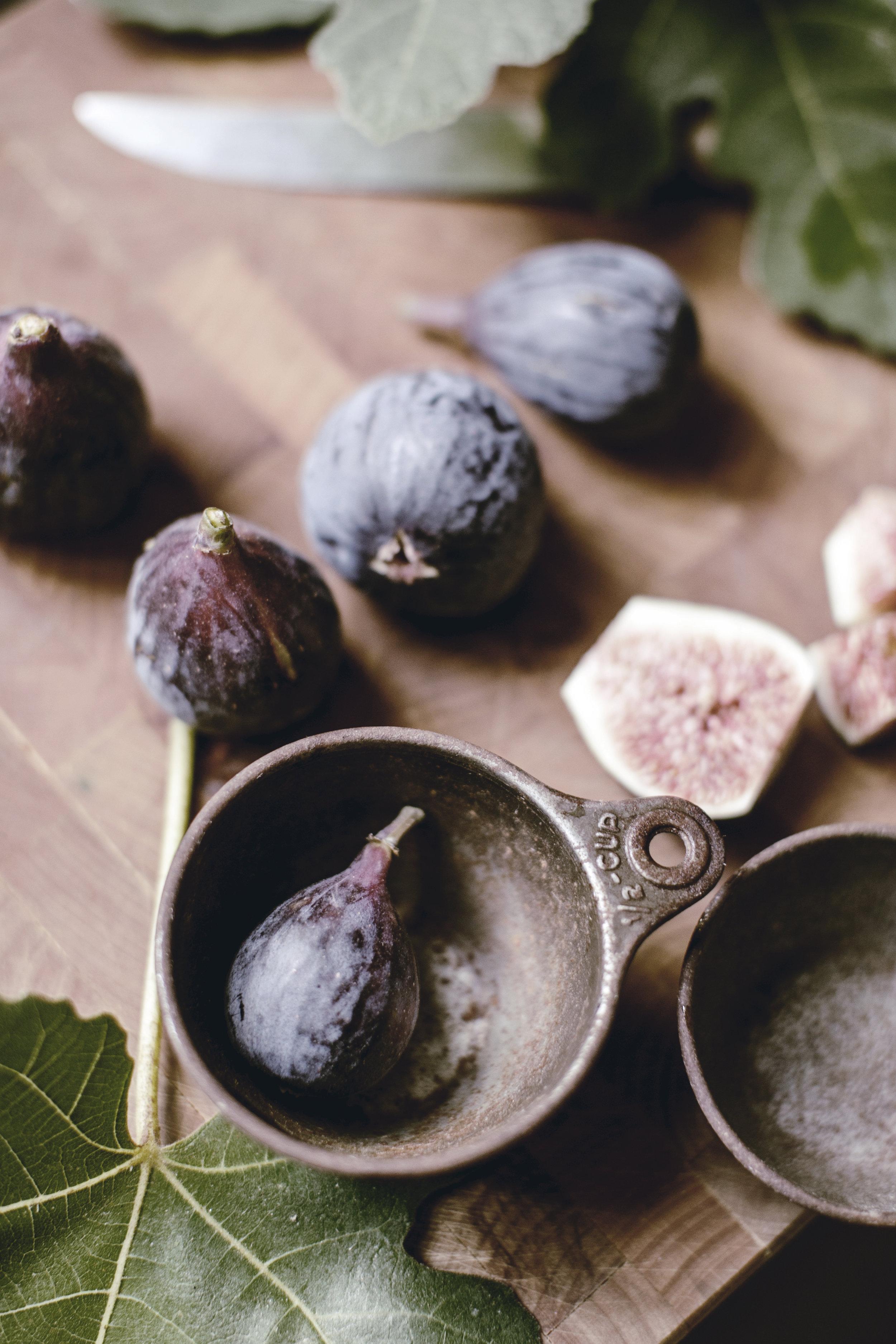 ingredients for fresh fig jam / heirloomed