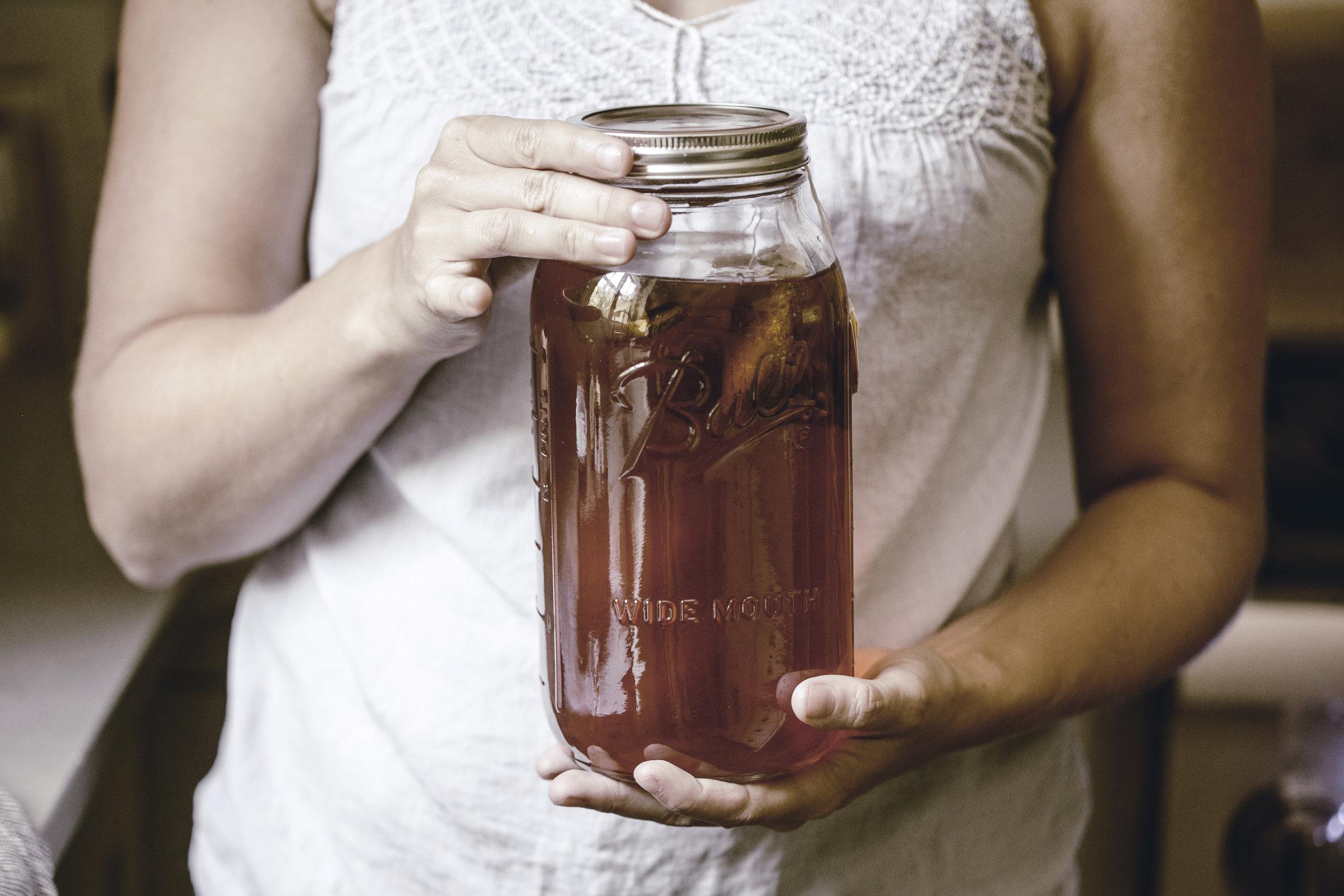 freshly brewed recipe for sweet sun tea / heirloomed