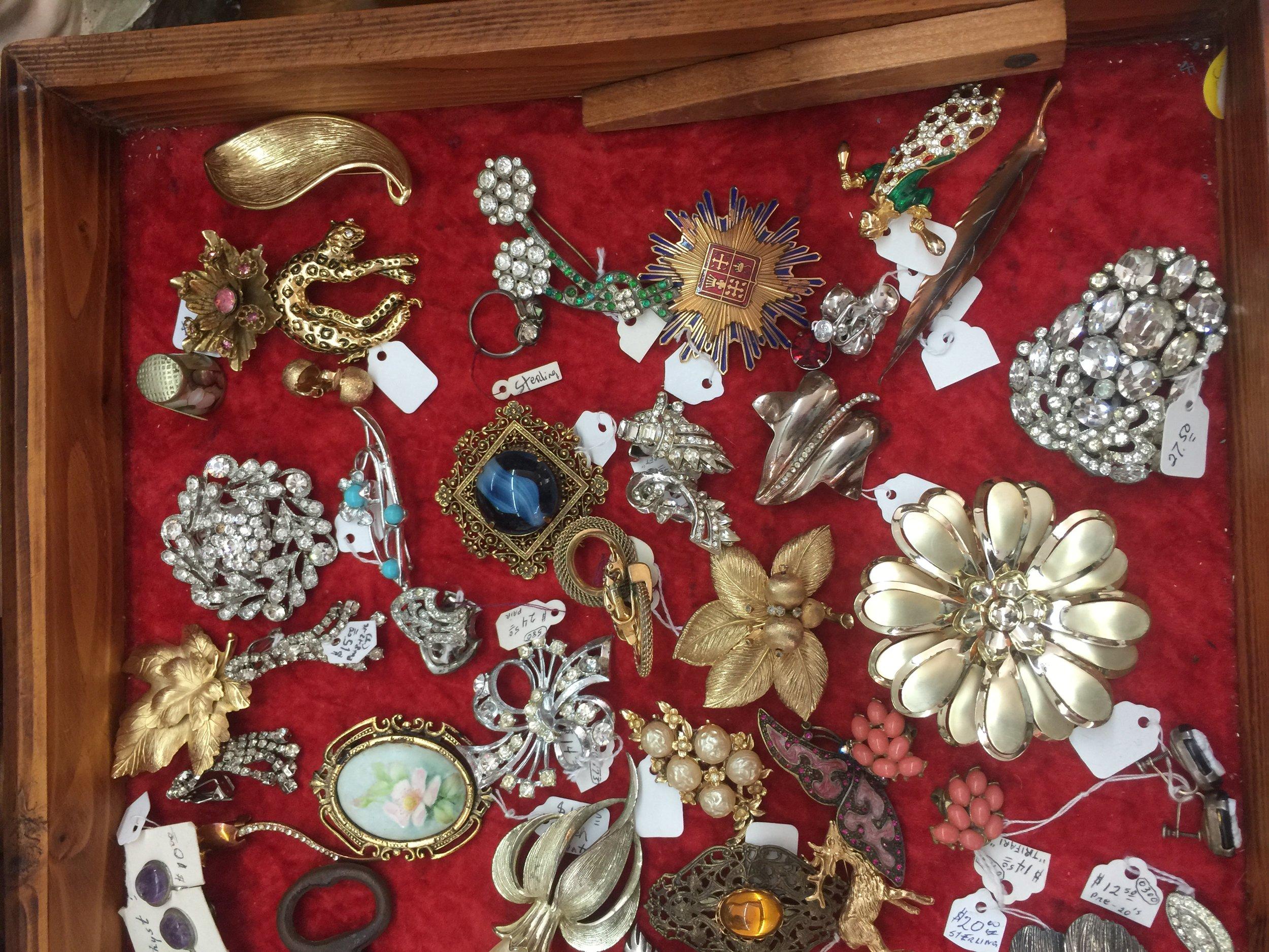 estate sale vintage jewelry / heirloomed