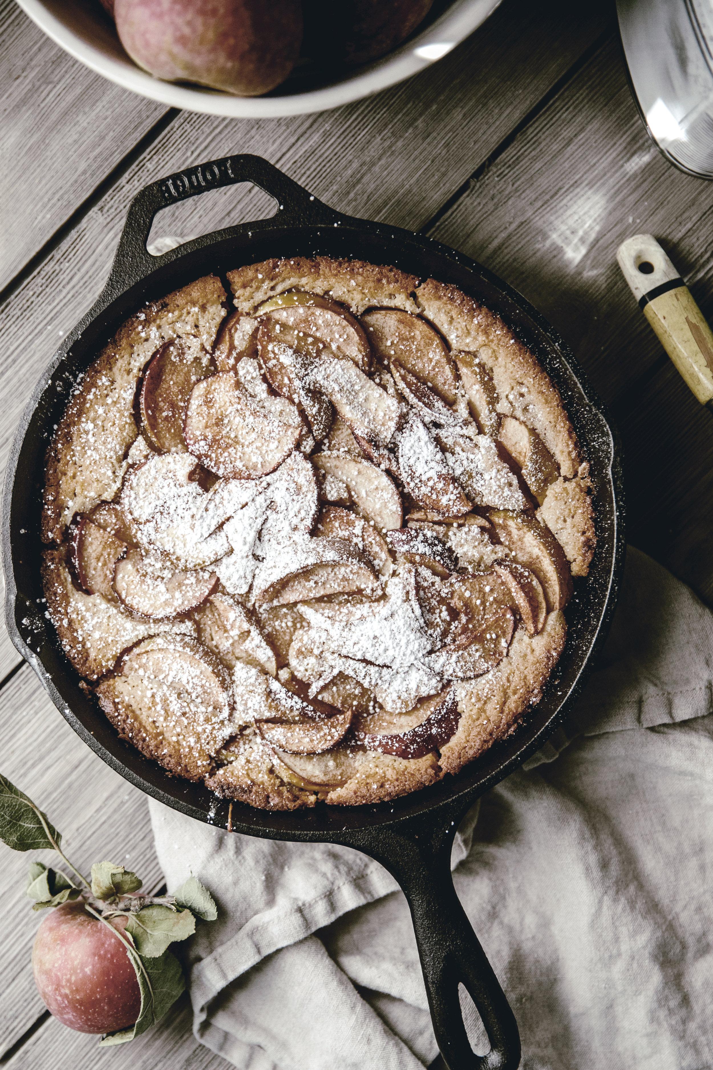 apple buttermilk skillet cobbler / brooke bell / cast iron baking