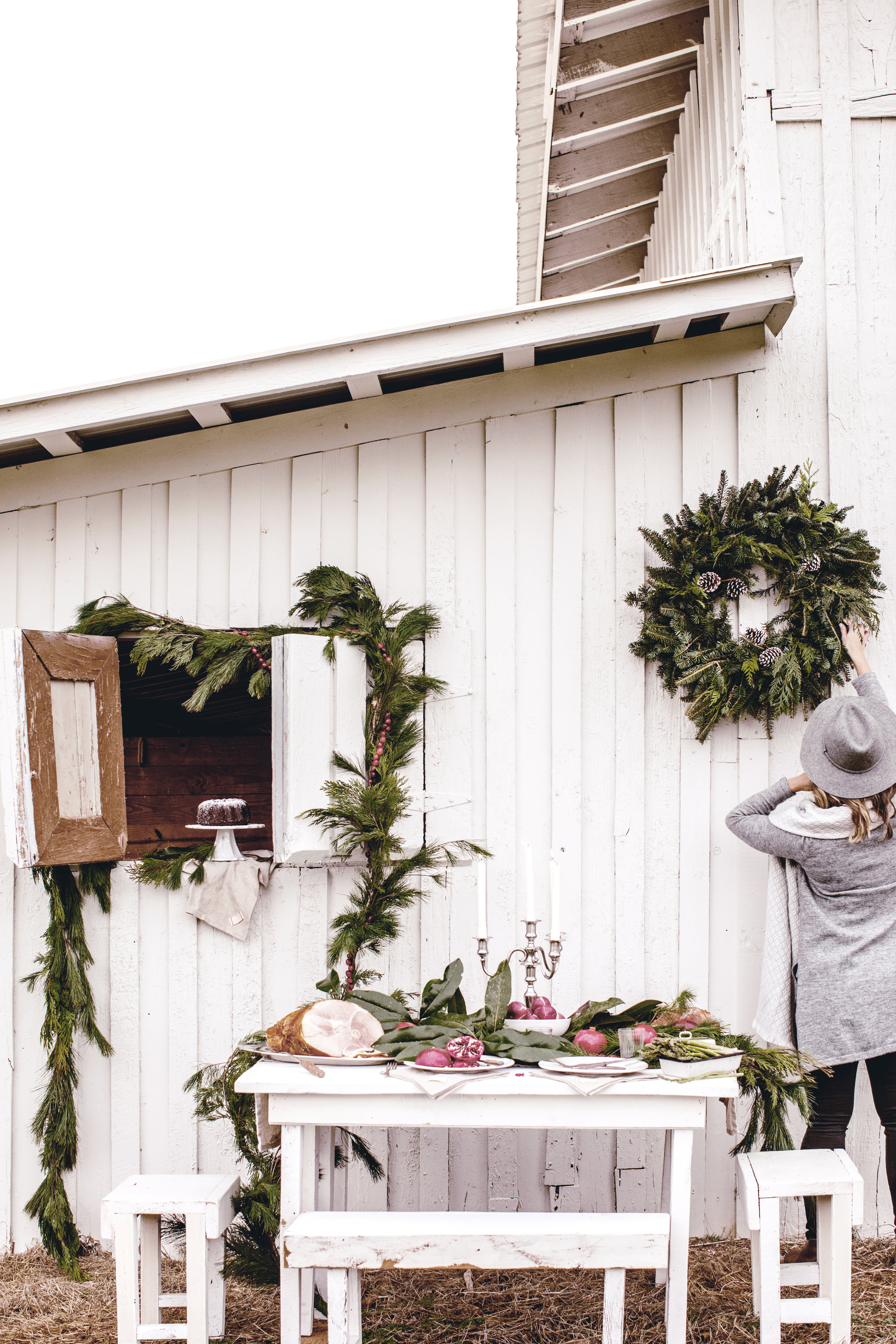 holiday entertaining at our rustic barn on the family farm / heirloomed