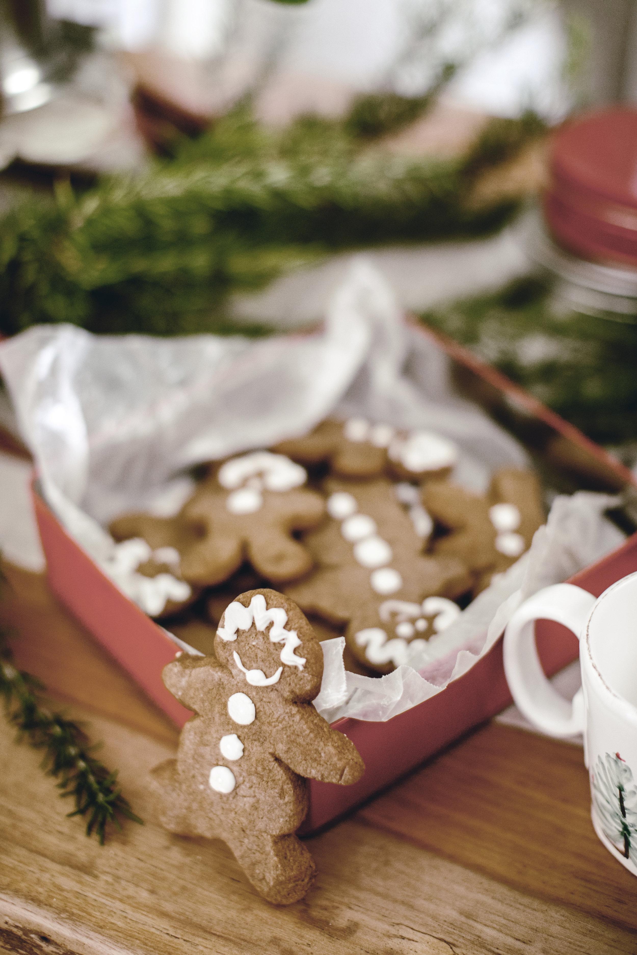 holiday cookie exchange / heirloomed