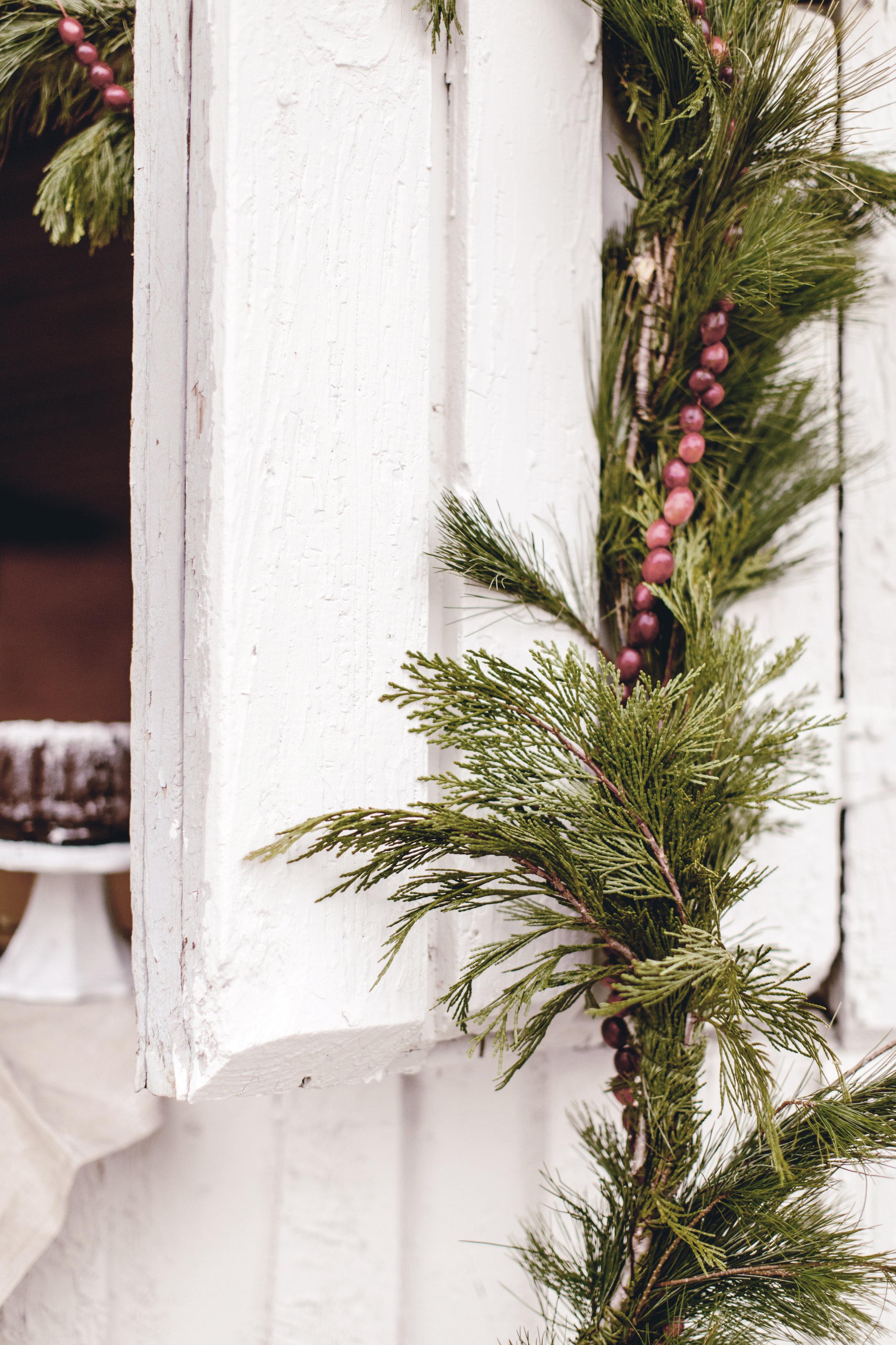 season ingredients holiday decor / heirloomed