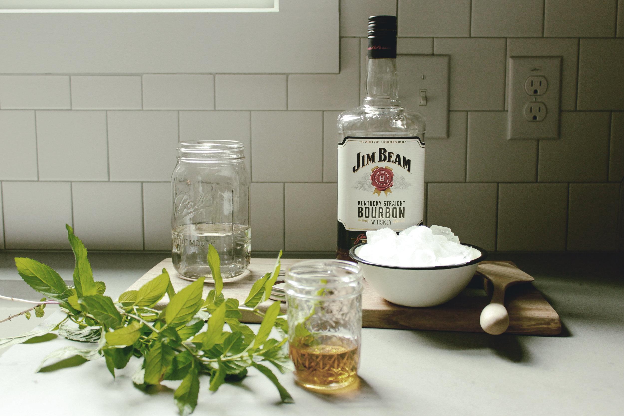 mint julep jar cocktails / heirloomed