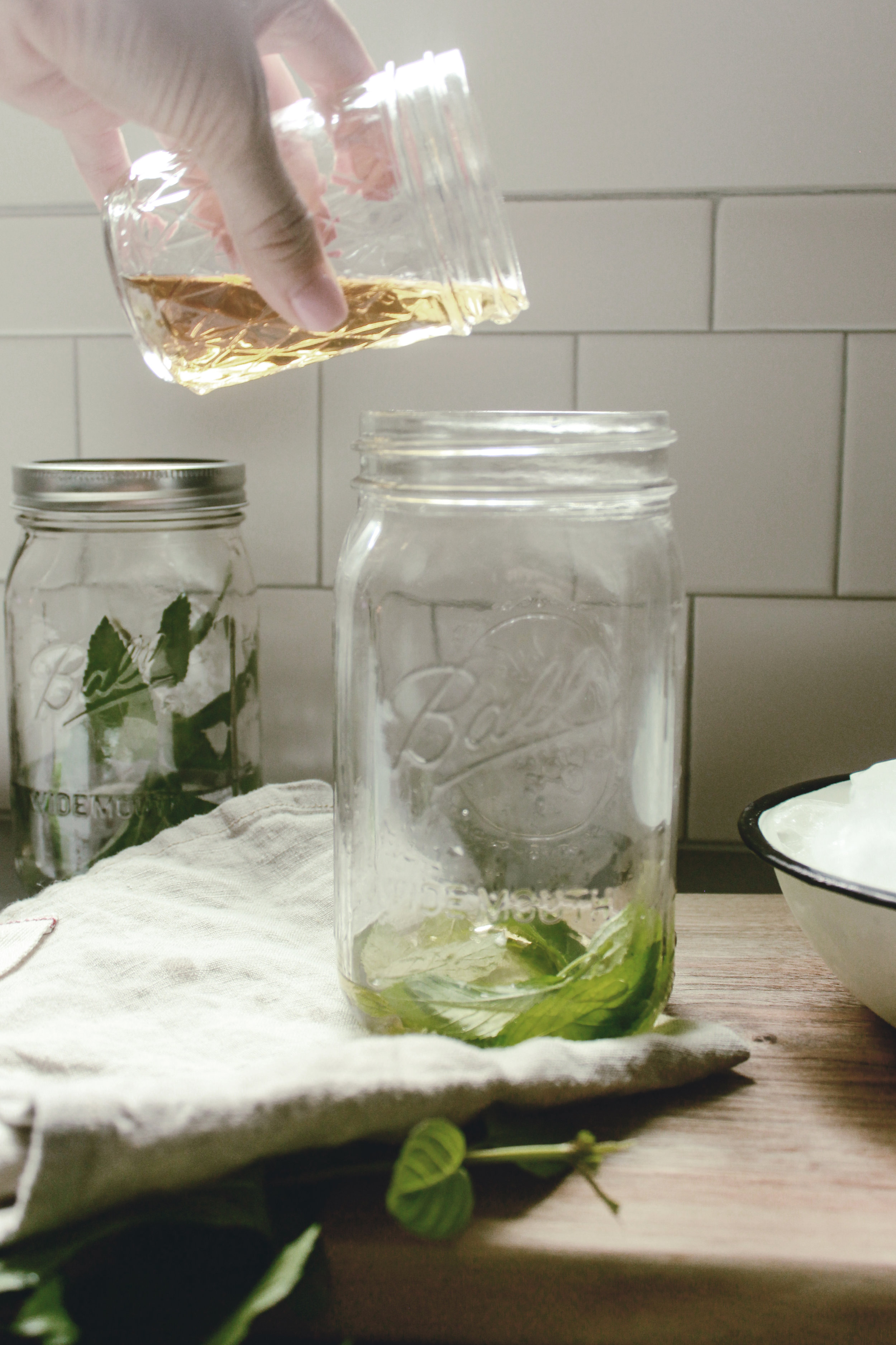 southern bourbon mint juleps / heirloomed