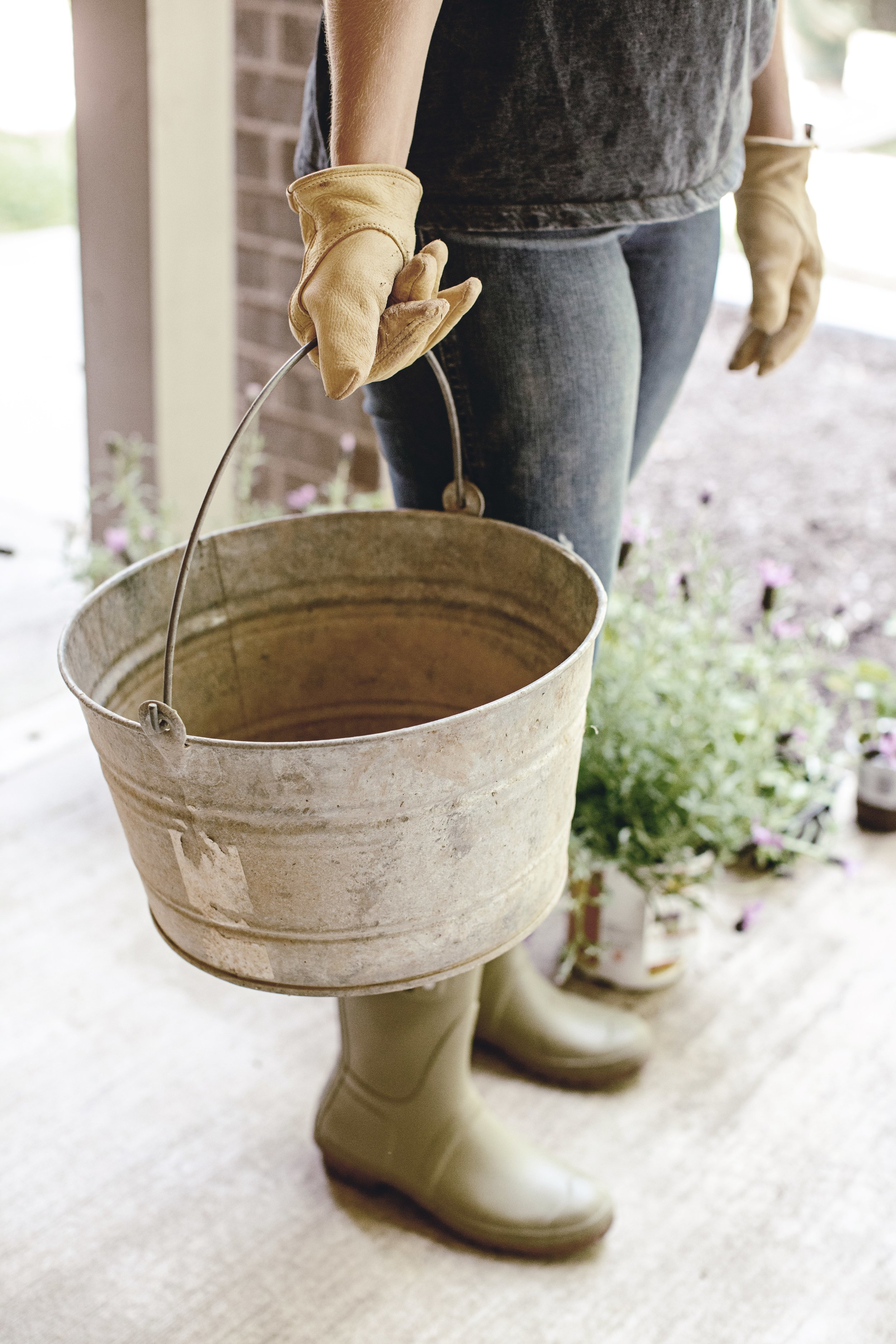 planting your spring garden / heirloomed for the Home Depot
