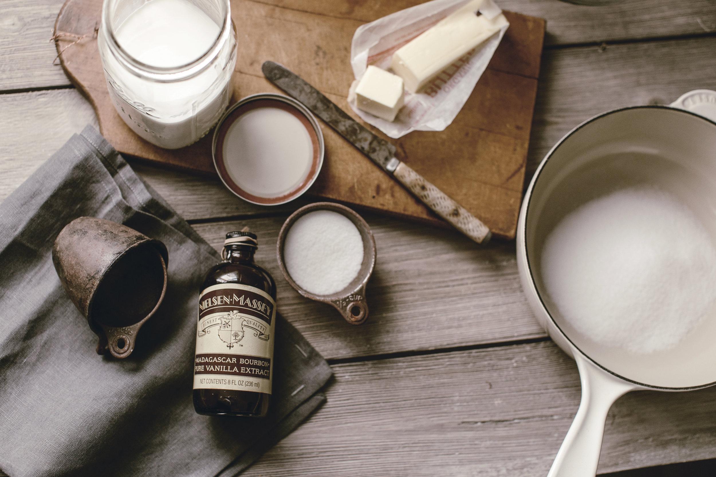 caramel sauce ingredients / heirloomed