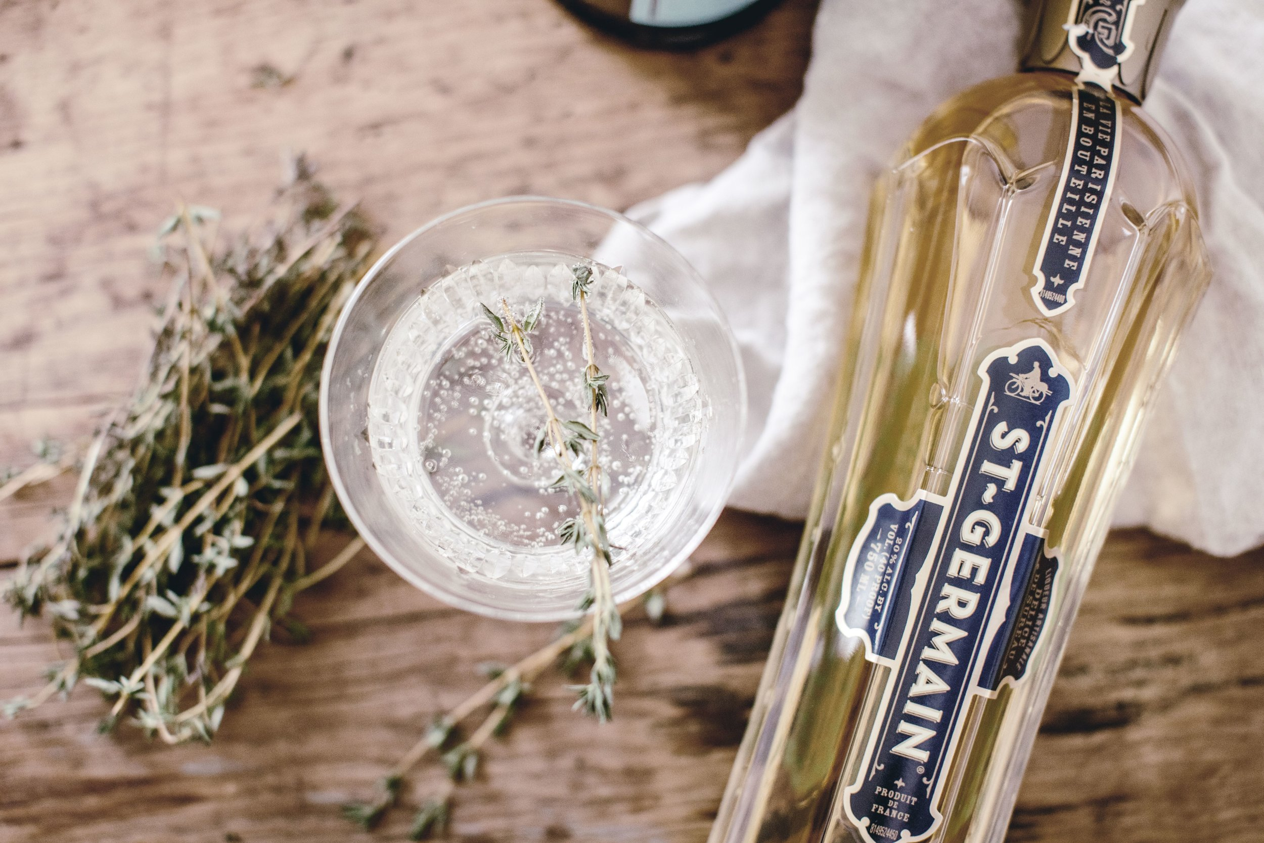 St. Germaine + Prosecco cocktail by heirloomed