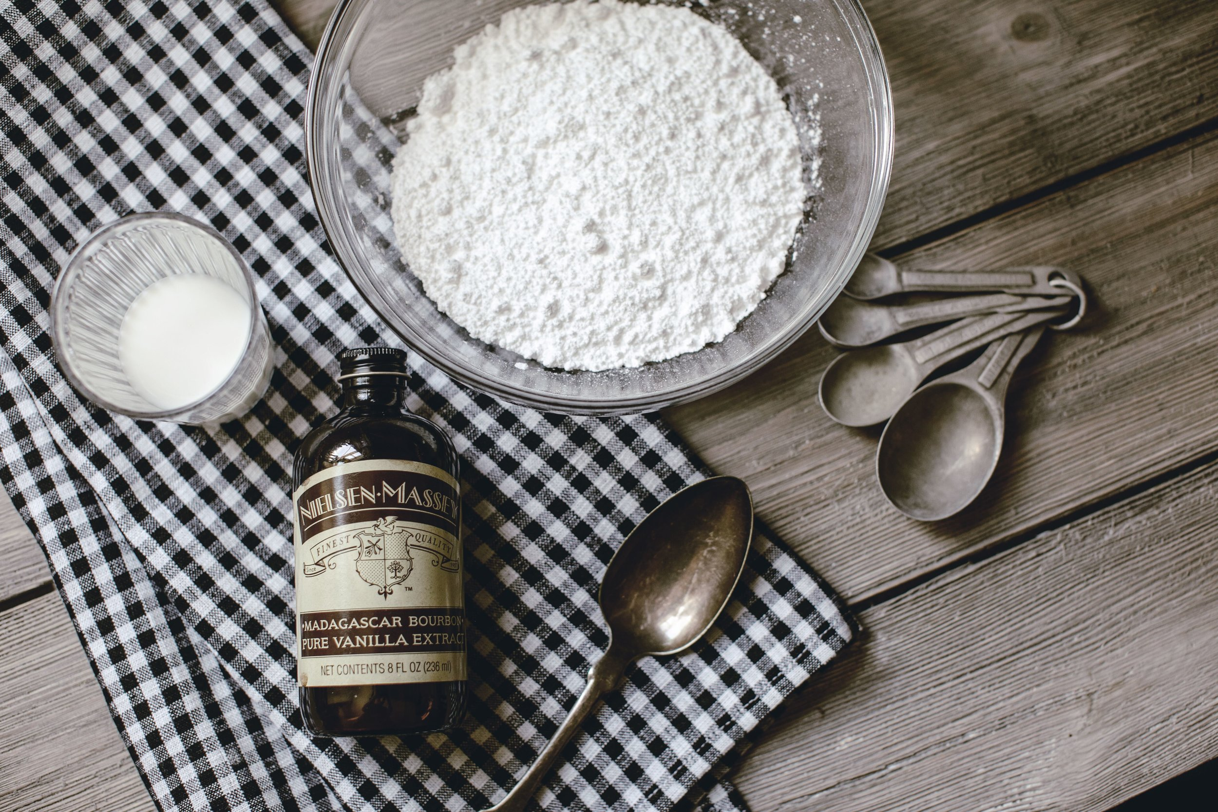 Glaze icing Ingredients by heirloomed