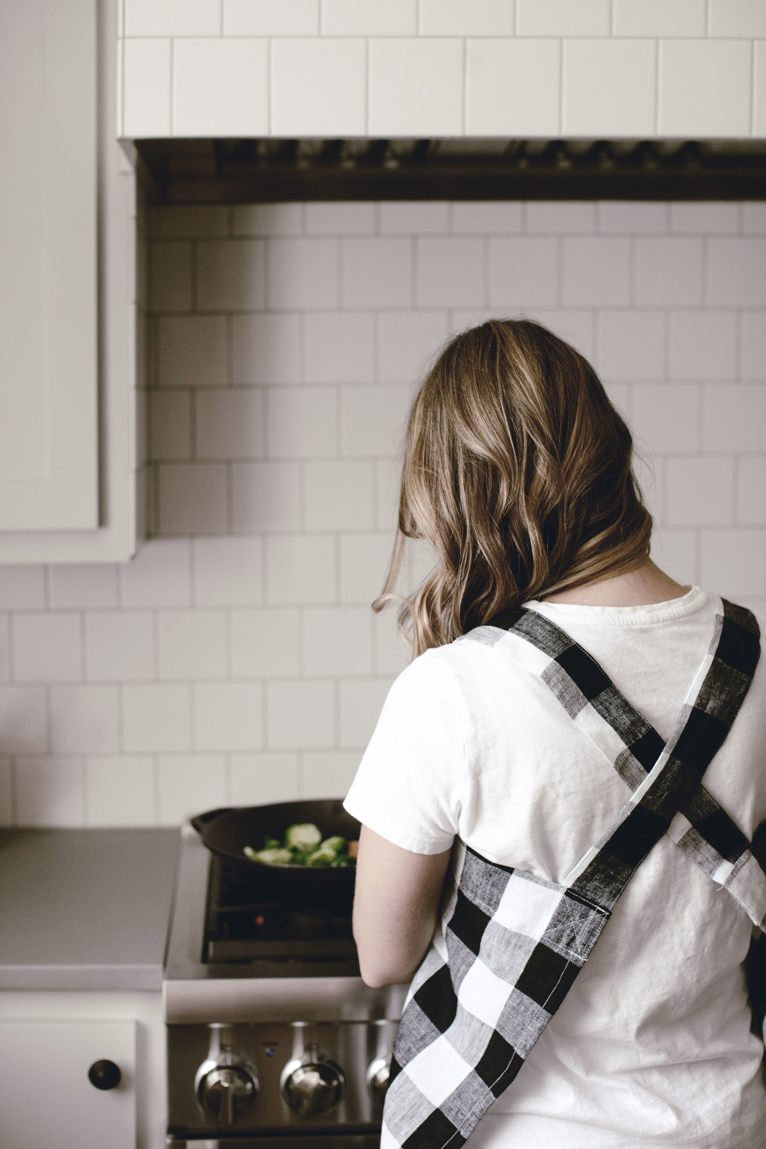 Reasons to wear an apron by heirloomed