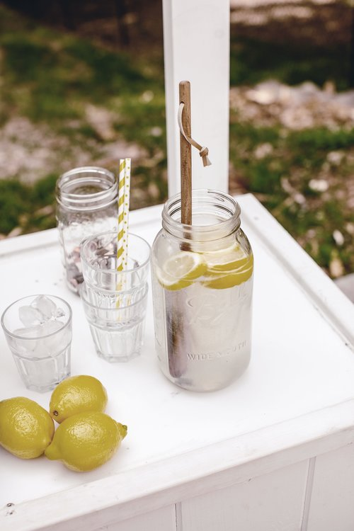 lemonade stand 2.jpg