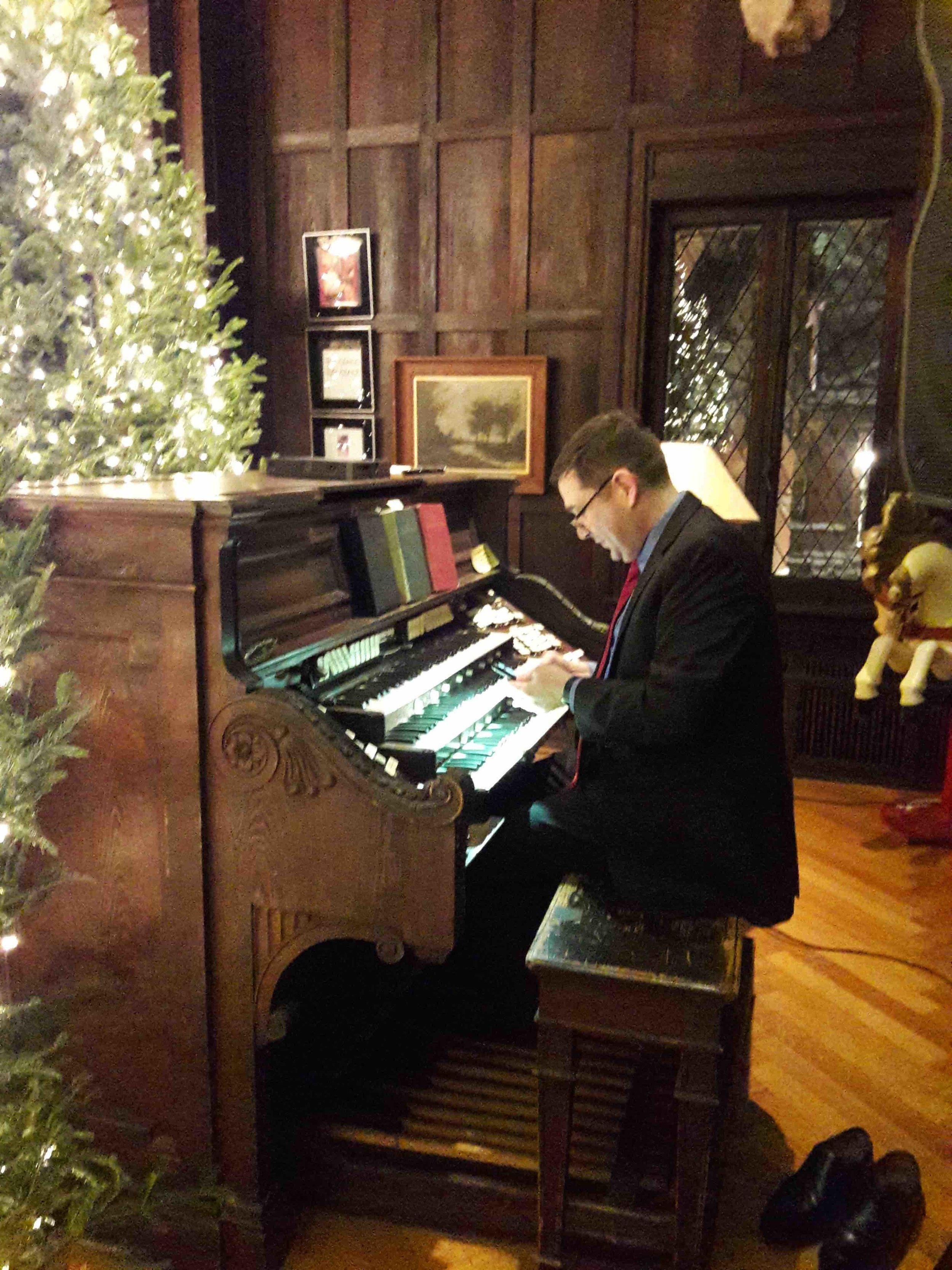 Organ 2018-12-01 18.34.22 copy.jpg