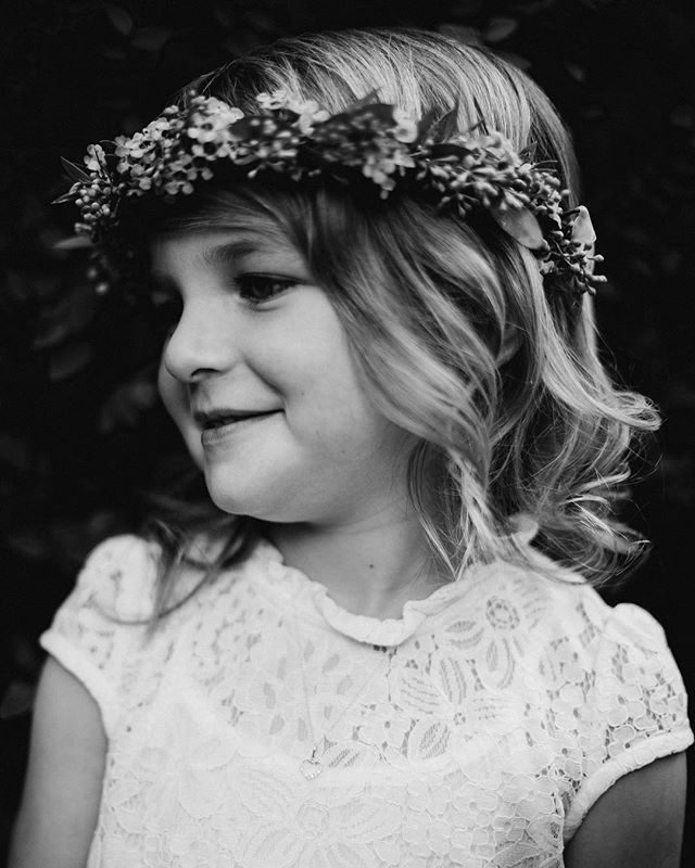 Flower girl details (link to blog post in bio)