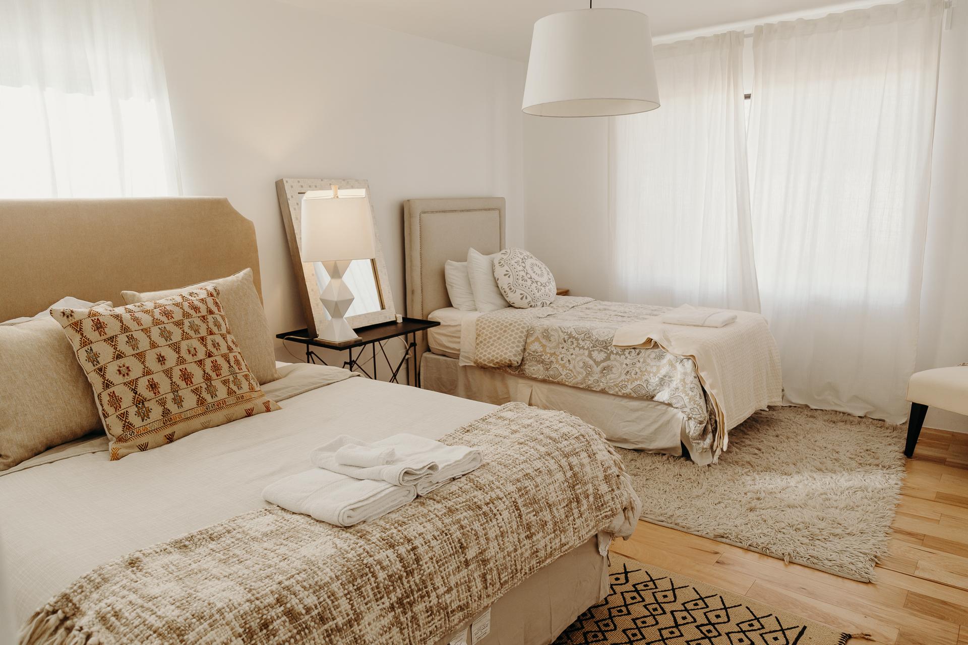 esparza-airbnb-1075.jpg