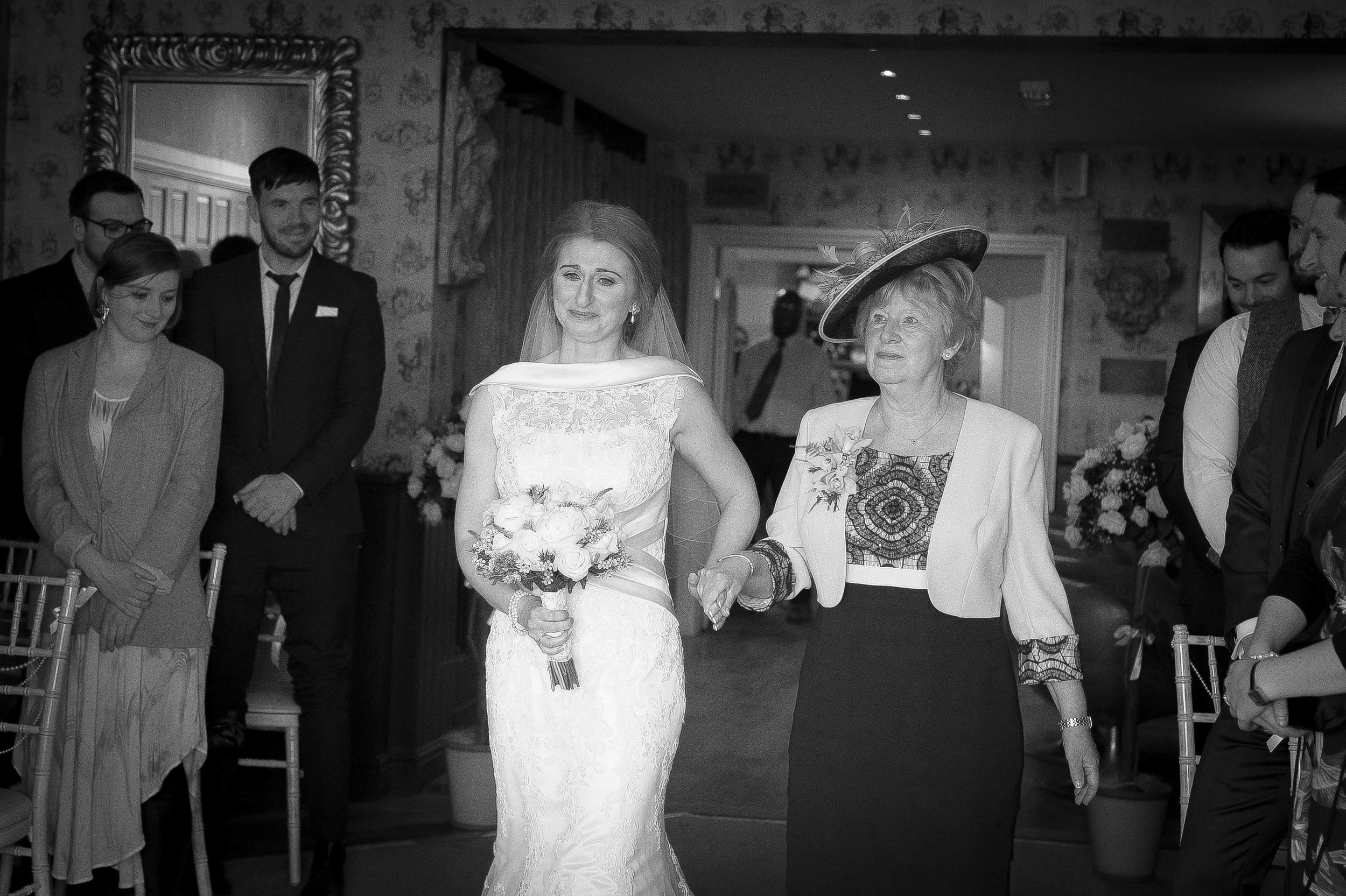 Shireburn Arms Wedding photos (1 of 1)-8.jpg