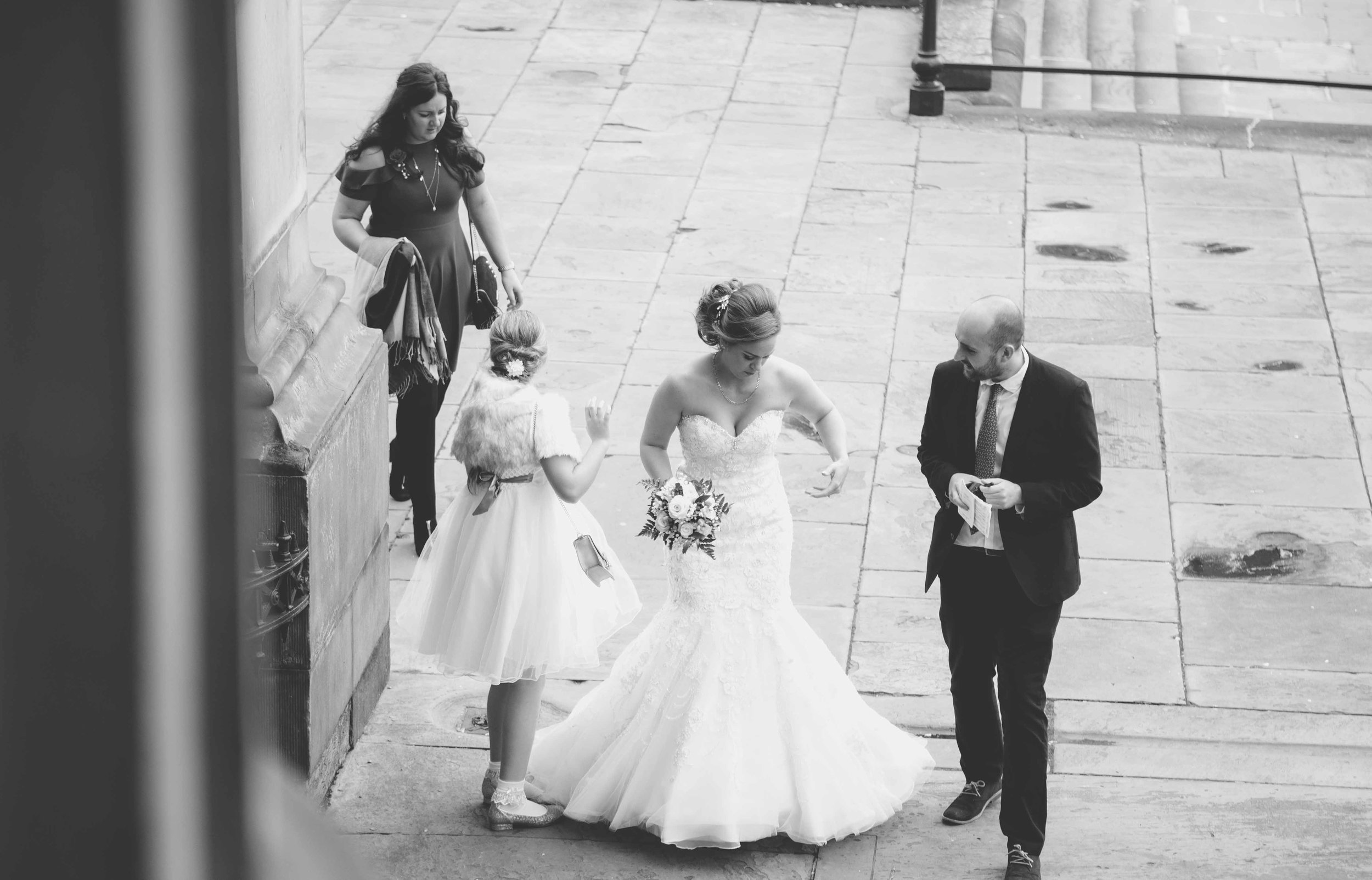 wedding-photos-at-st-georges-hall-liverpool (6 of 122).jpg