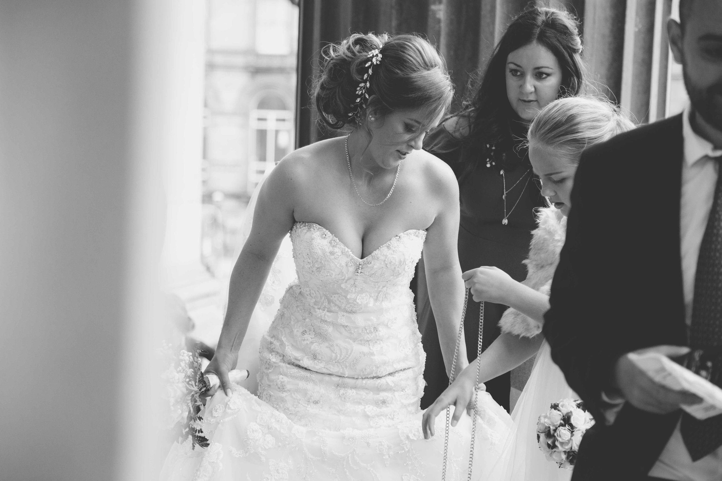 wedding-photos-at-st-georges-hall-liverpool (9 of 122).jpg